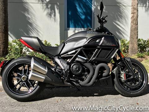 2016 Ducati Diavel Carbon in Orlando, Florida