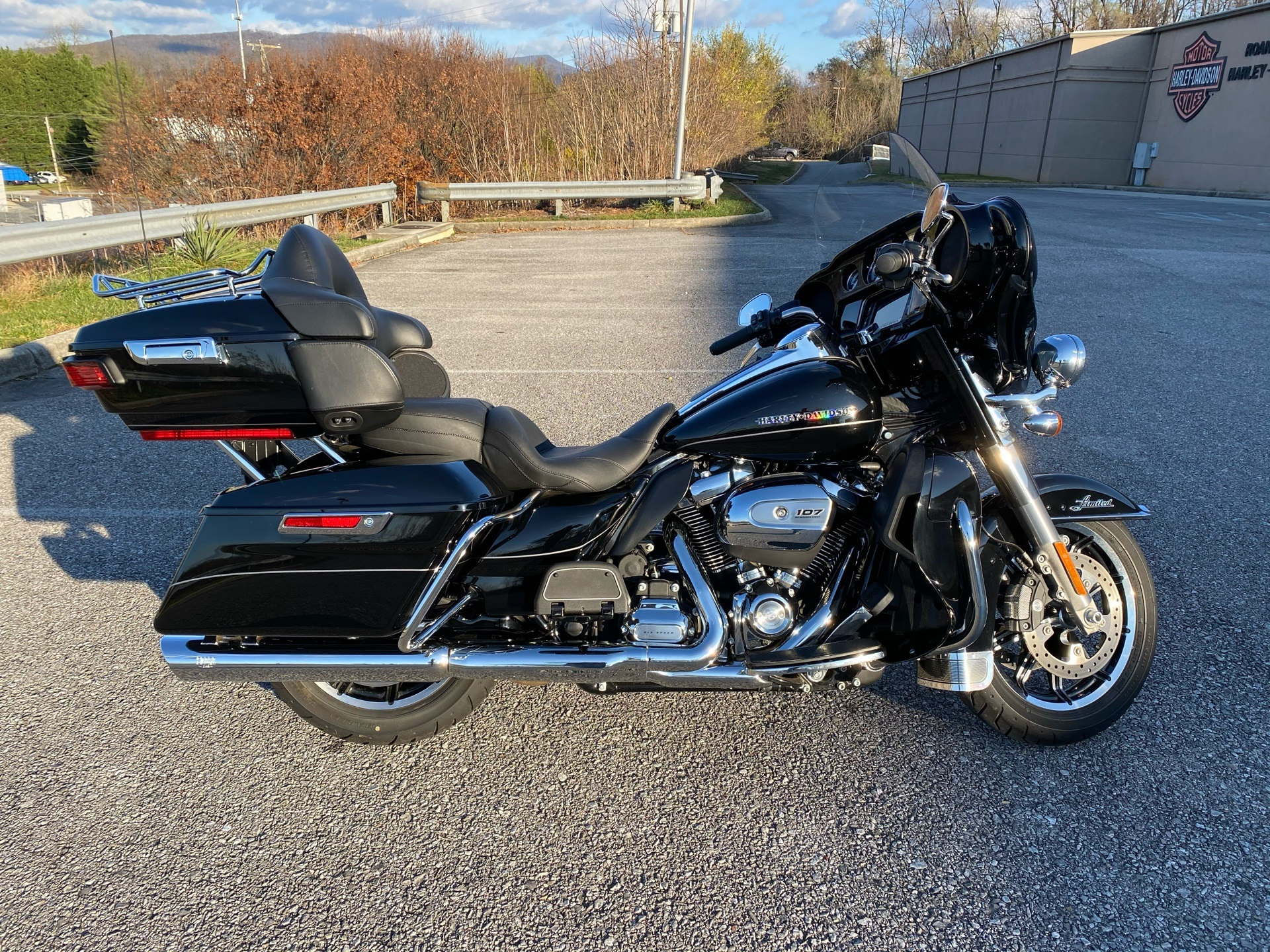 2017 Harley-Davidson Ultra Limited in Roanoke, Virginia - Photo 1