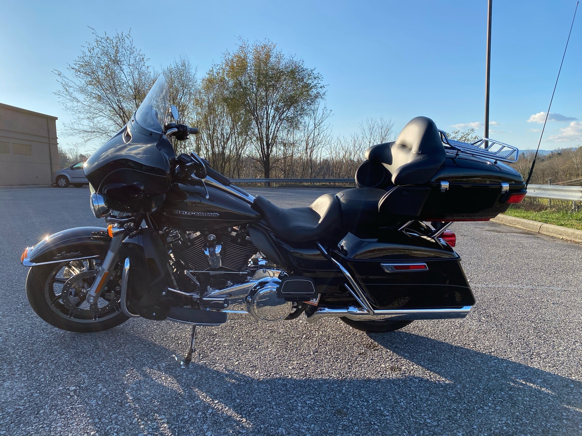 2017 Harley-Davidson Ultra Limited in Roanoke, Virginia - Photo 2