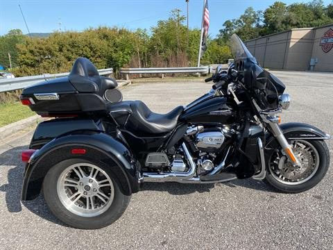 2017 Harley-Davidson TriGlide in Roanoke, Virginia - Photo 2