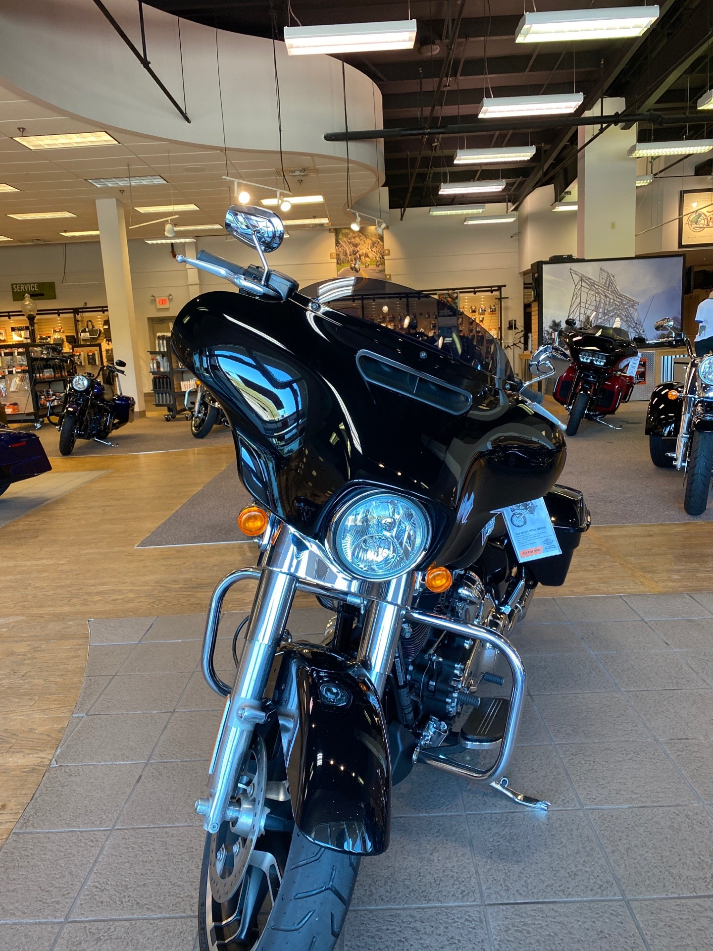 2019 Harley-Davidson Street Glide® in Roanoke, Virginia - Photo 5