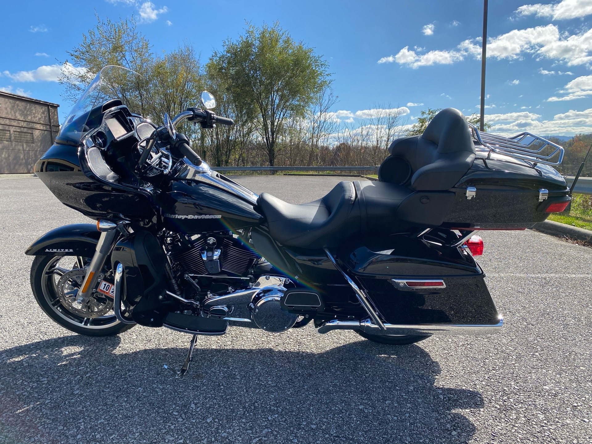 2020 Harley-Davidson Road Glide Limited in Roanoke, Virginia - Photo 2