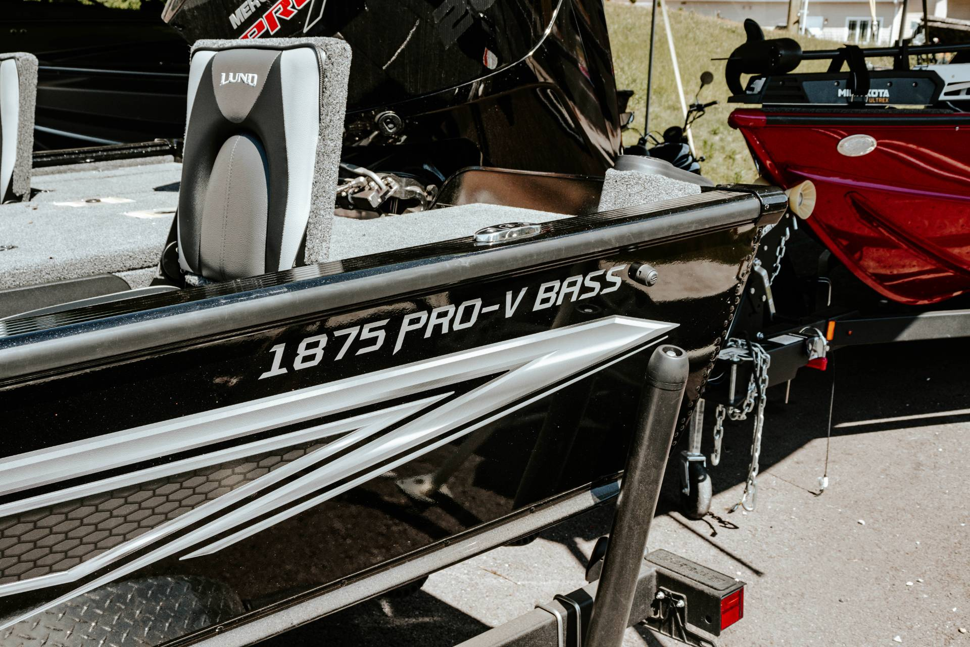 2020 Lund 1875 PRO V BASS XS in Knoxville, Tennessee - Photo 3