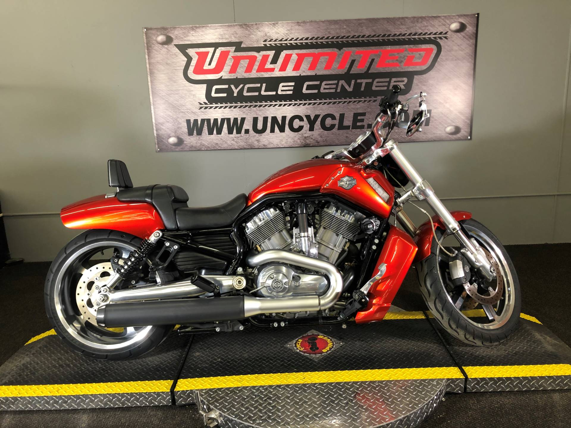 2013 Harley-Davidson V-Rod Muscle® in Tyrone, Pennsylvania - Photo 3