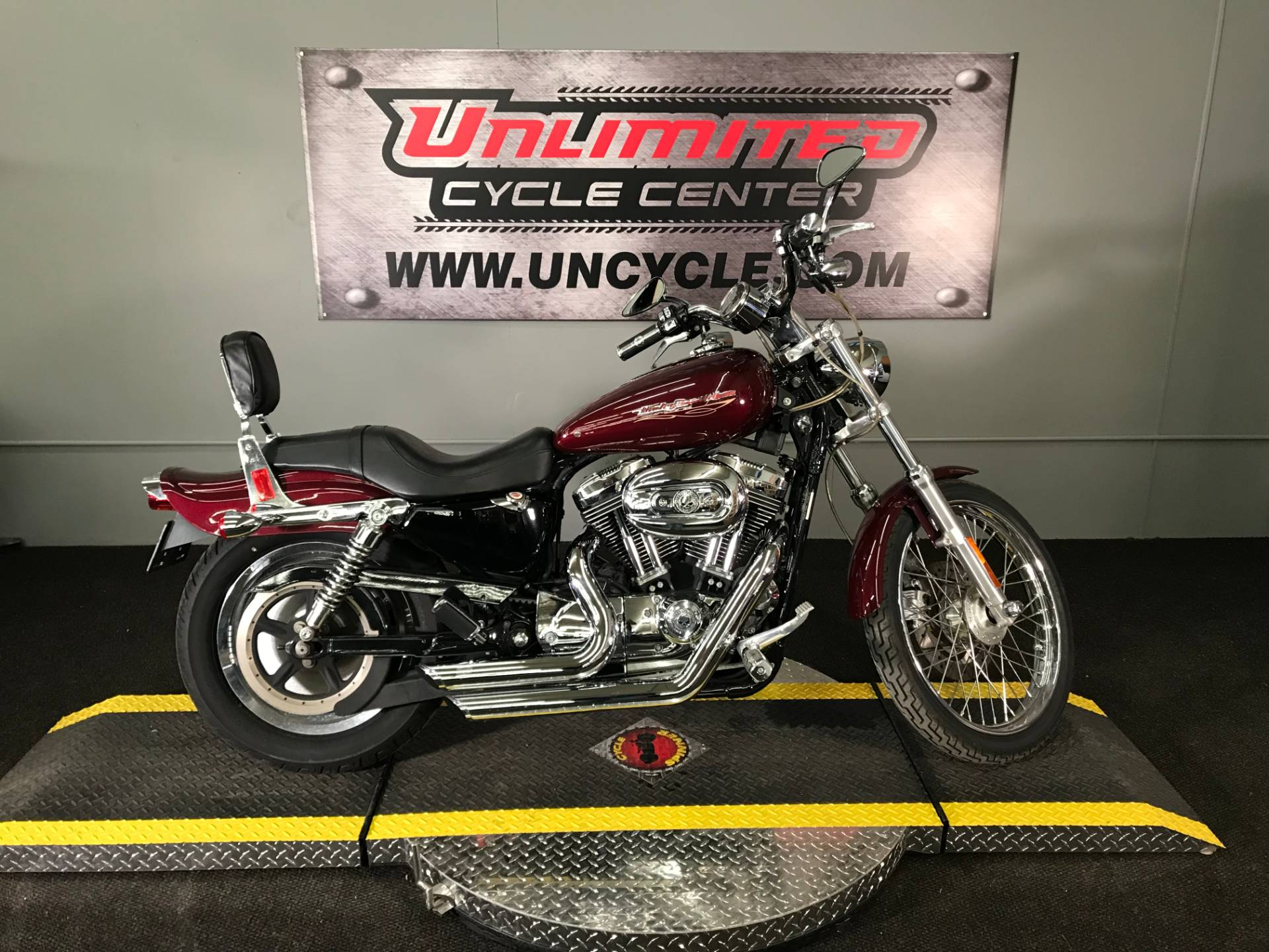 2005 Harley-Davidson Sportster® XL 1200 Custom in Tyrone, Pennsylvania - Photo 2