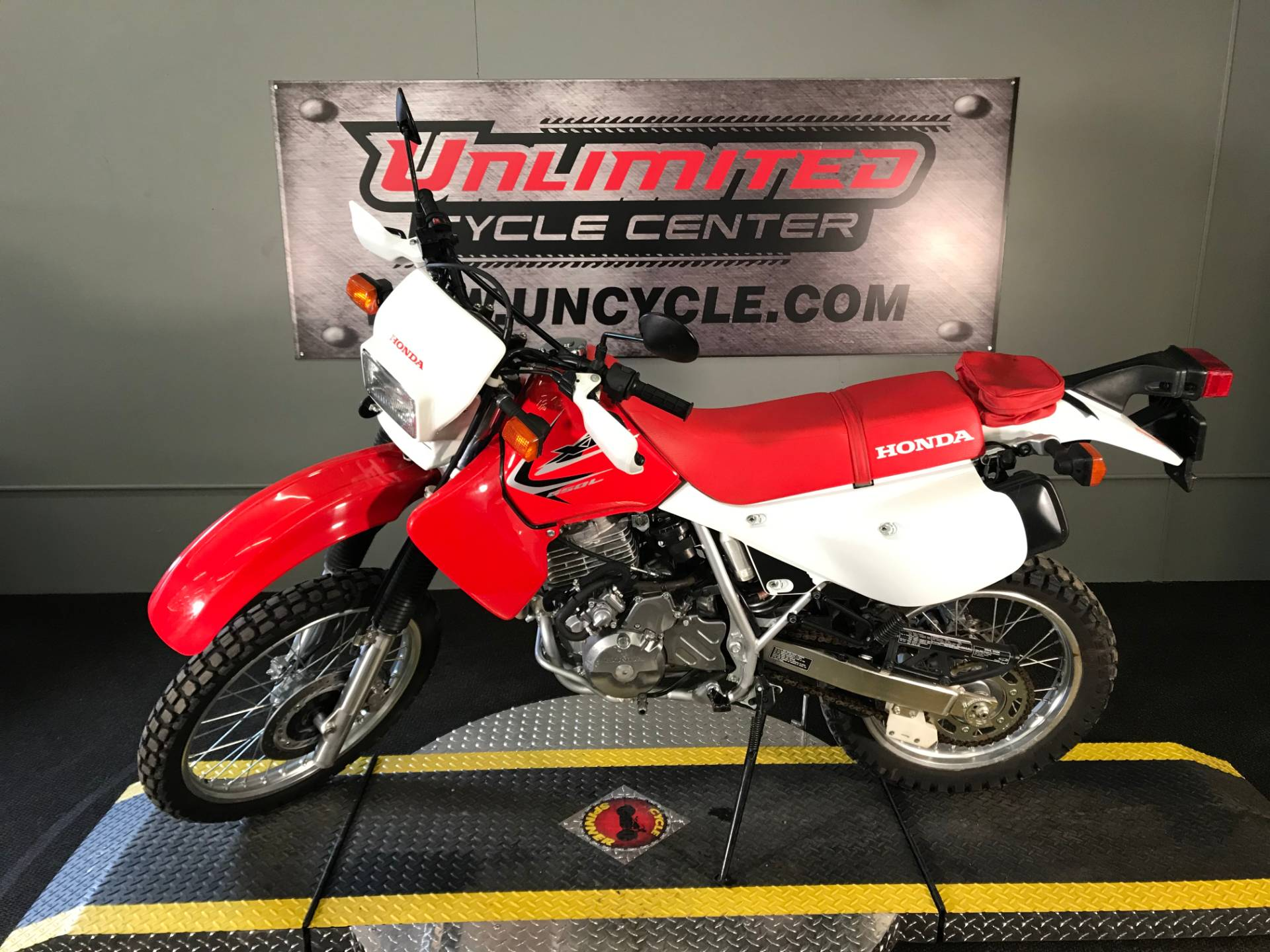 2015 Honda XR650L® in Tyrone, Pennsylvania - Photo 6