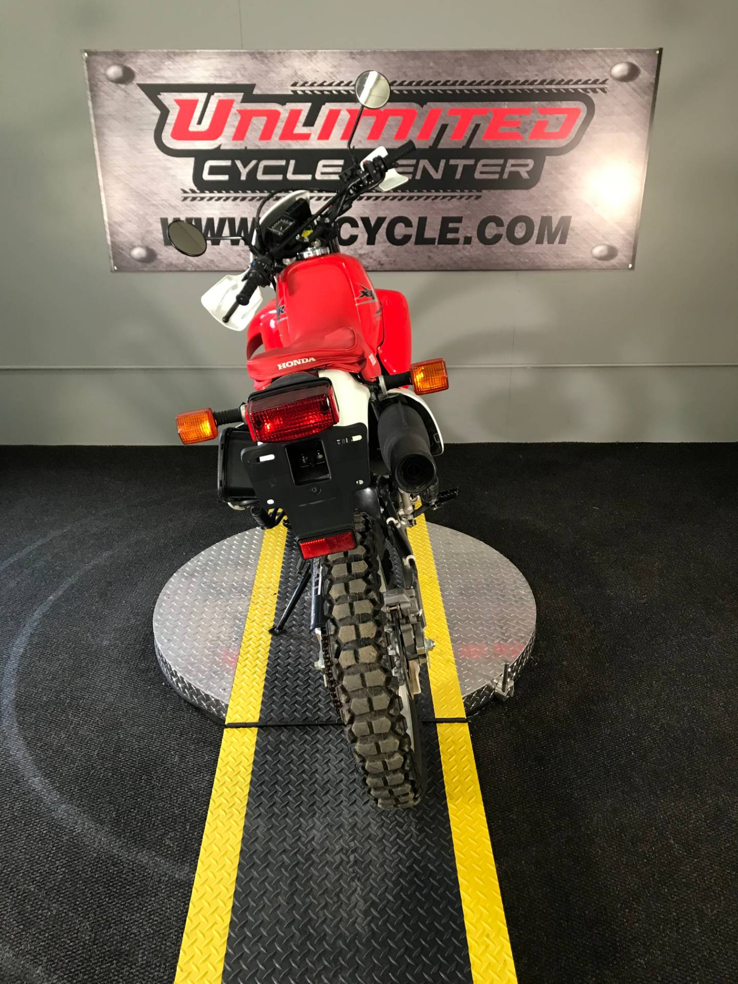 2015 Honda XR650L® in Tyrone, Pennsylvania - Photo 9