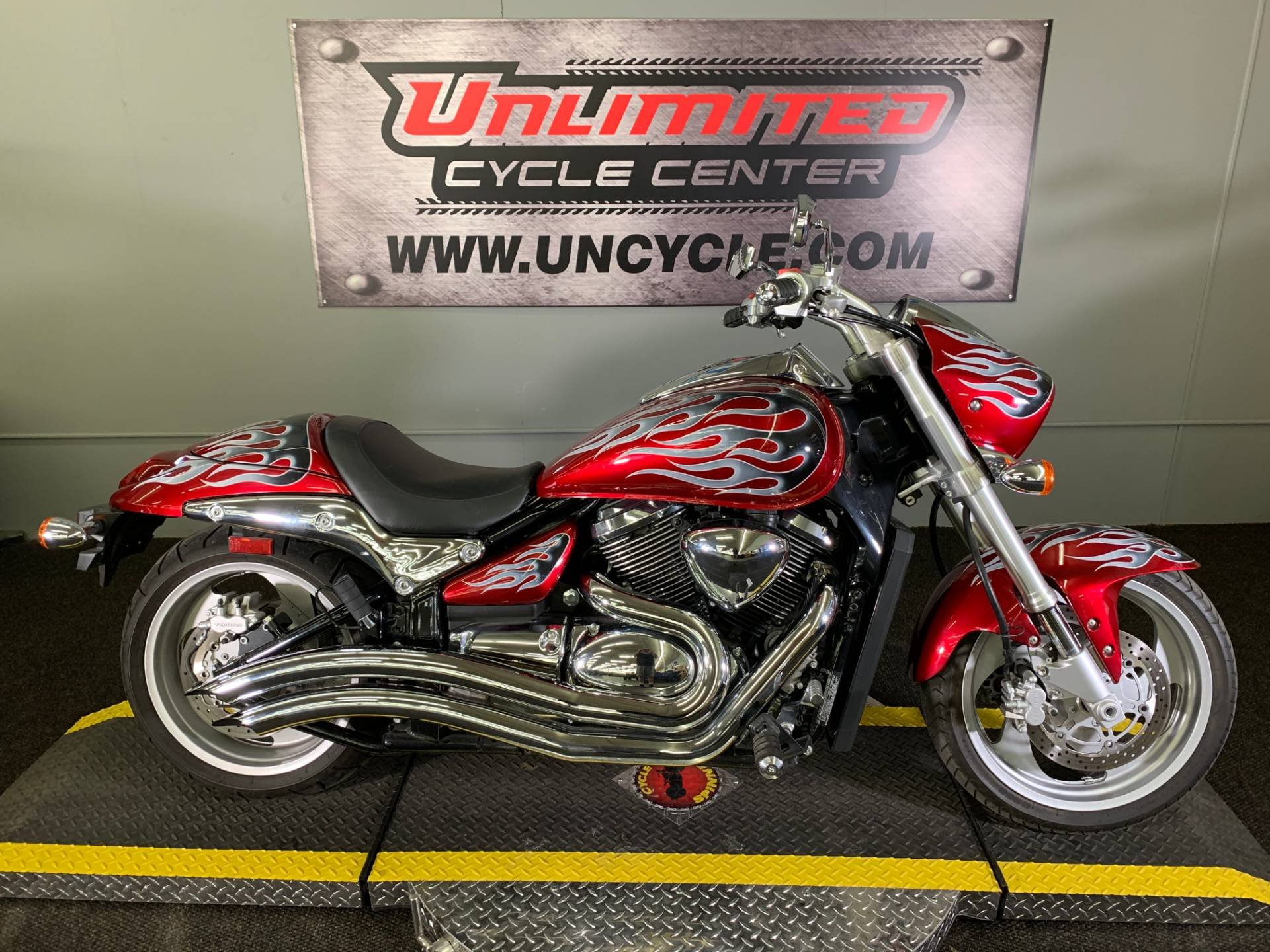 2009 Suzuki Boulevard M90 in Tyrone, Pennsylvania - Photo 2