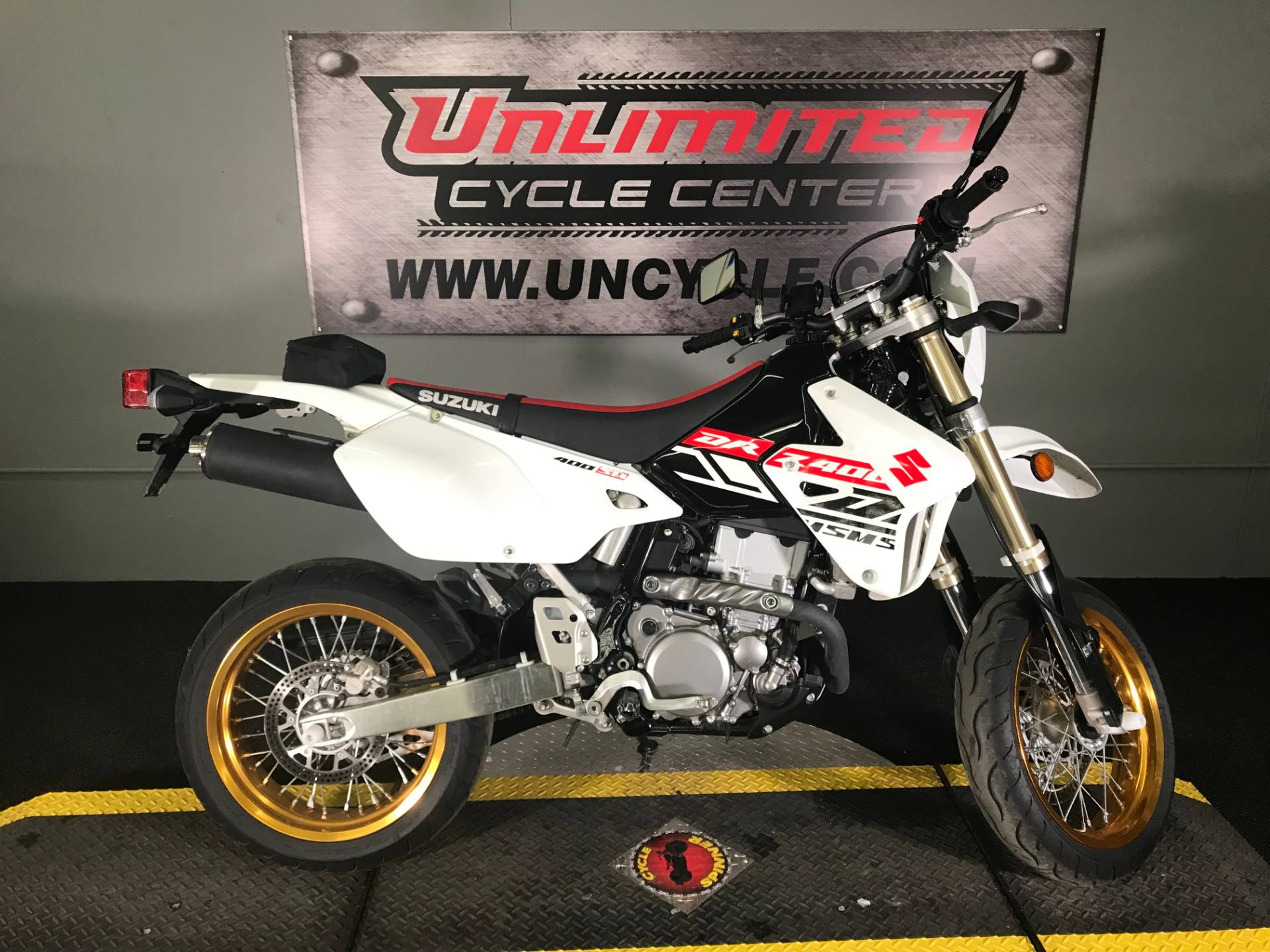 2019 Suzuki DR-Z400SM in Tyrone, Pennsylvania - Photo 2
