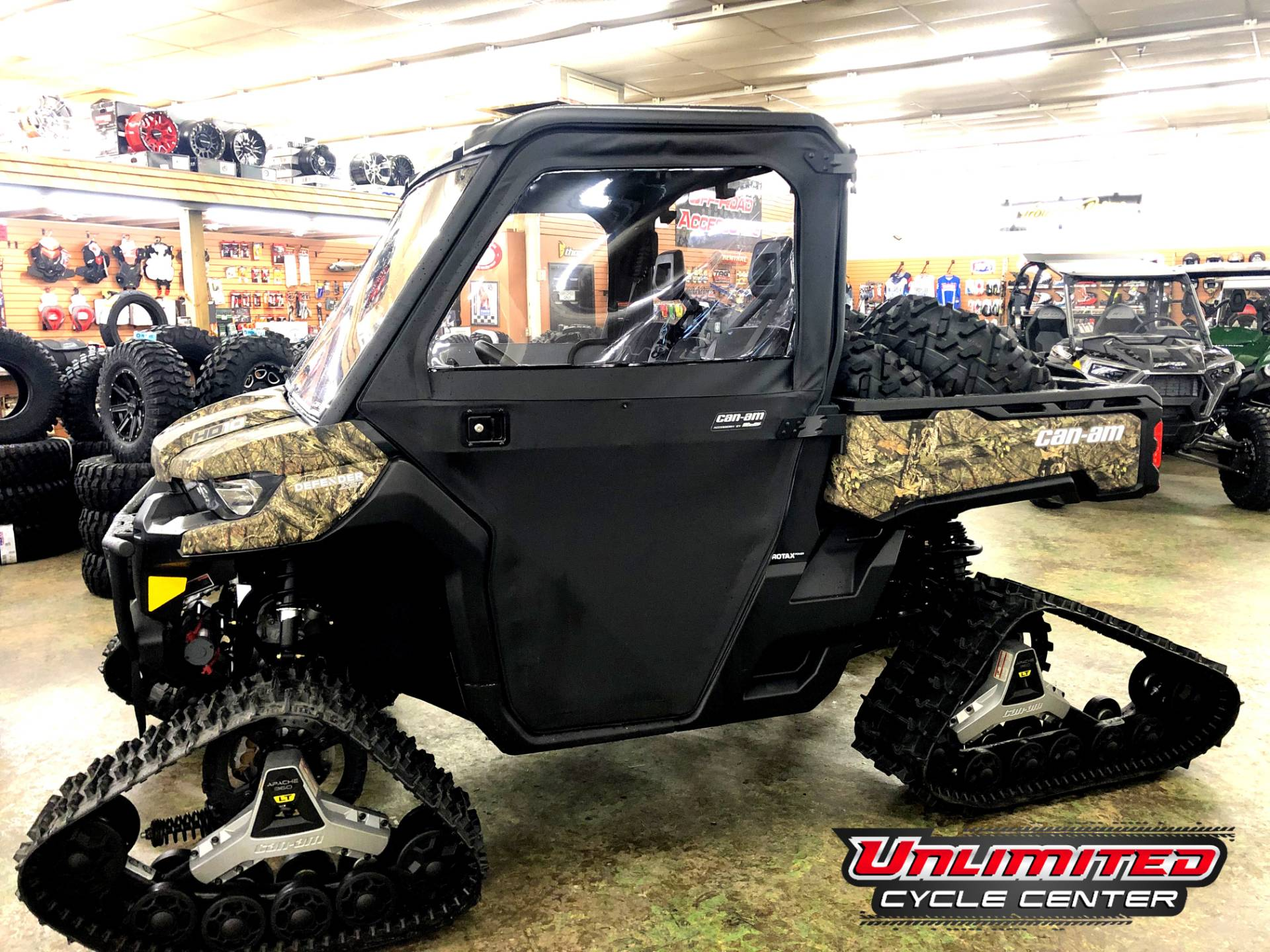 2018 Can-Am Defender XT HD10 in Tyrone, Pennsylvania - Photo 1