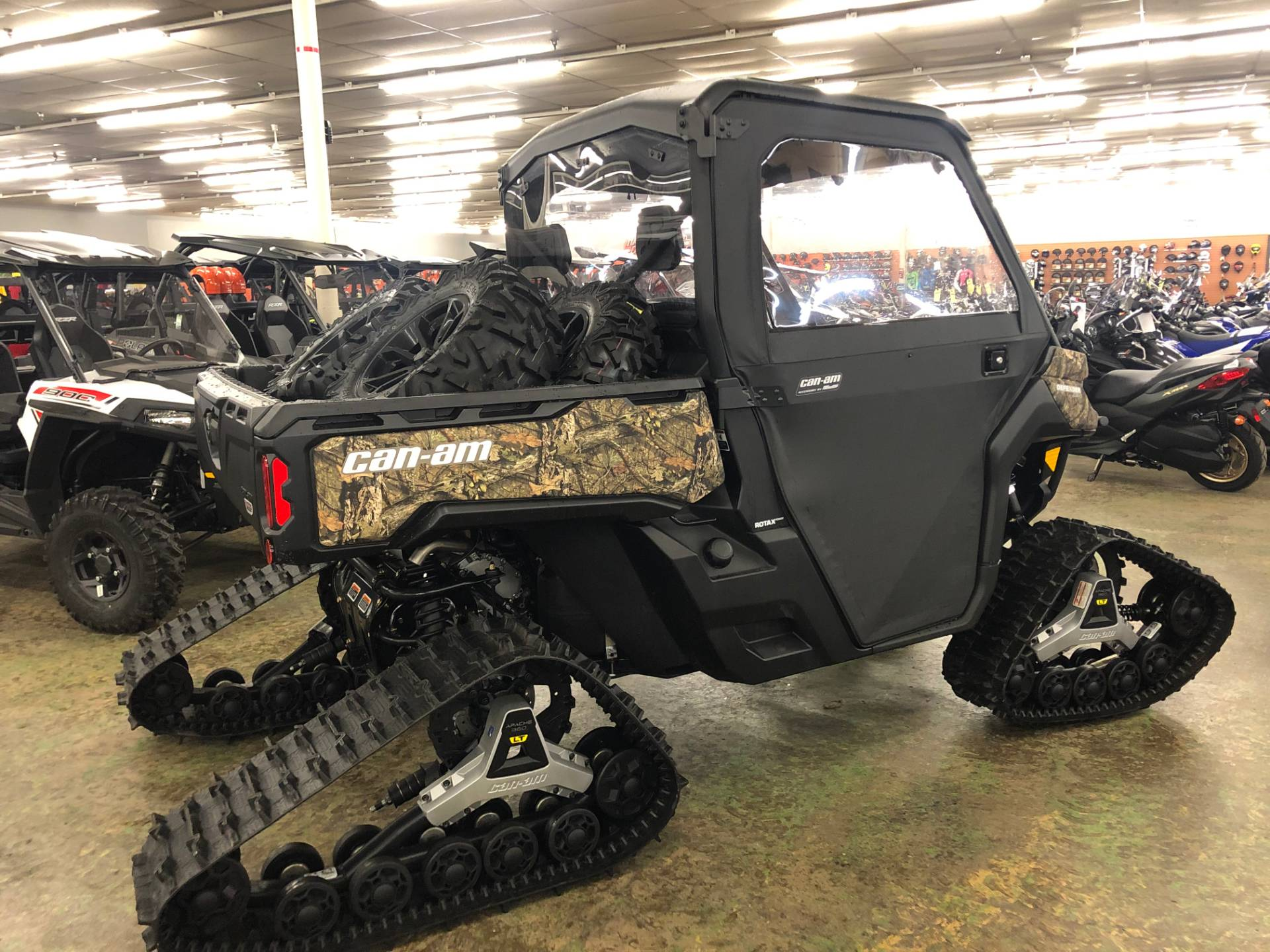 2018 Can-Am Defender XT HD10 in Tyrone, Pennsylvania - Photo 3