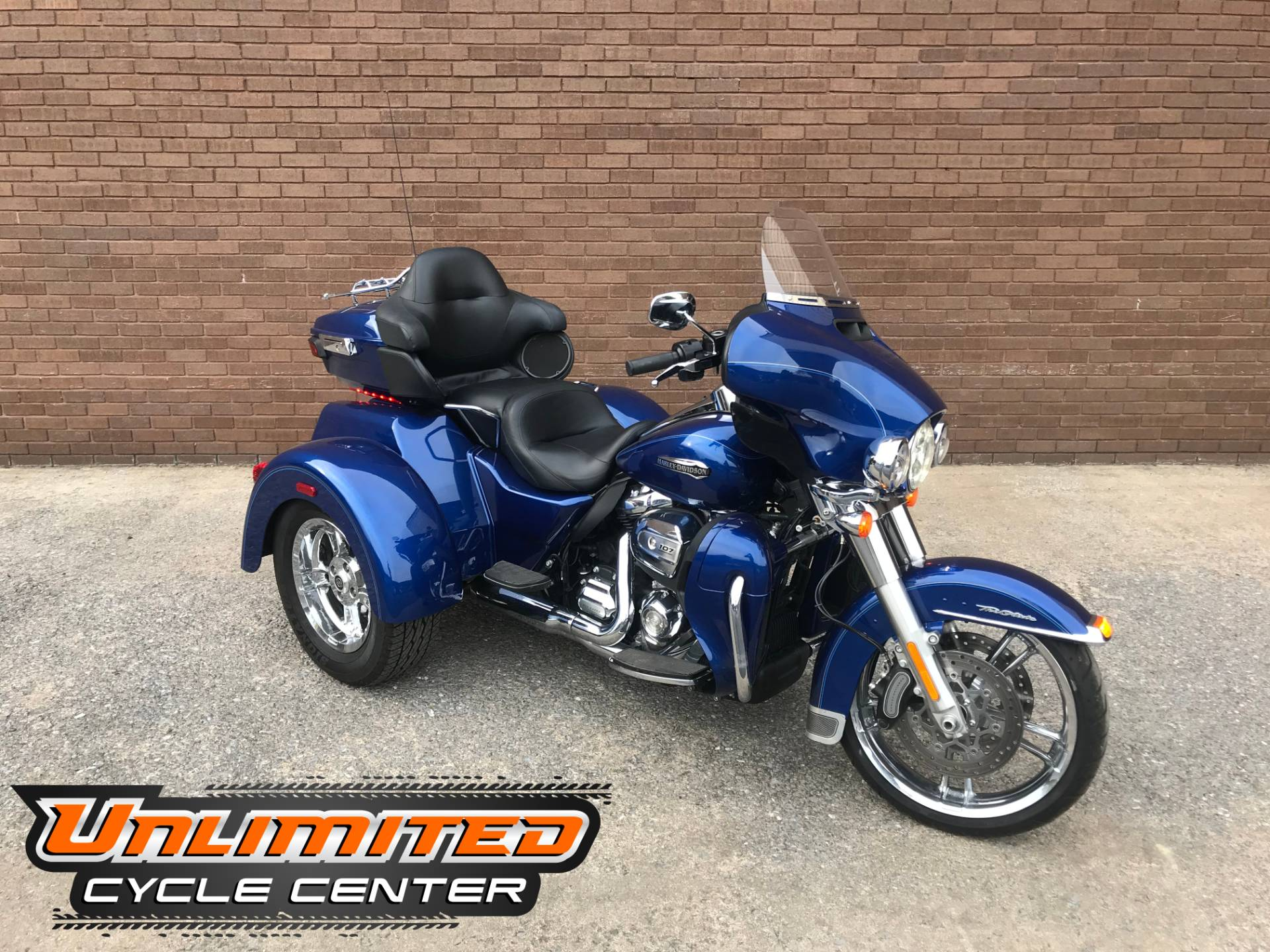 2017 Harley-Davidson Tri Glide® Ultra in Tyrone, Pennsylvania - Photo 1
