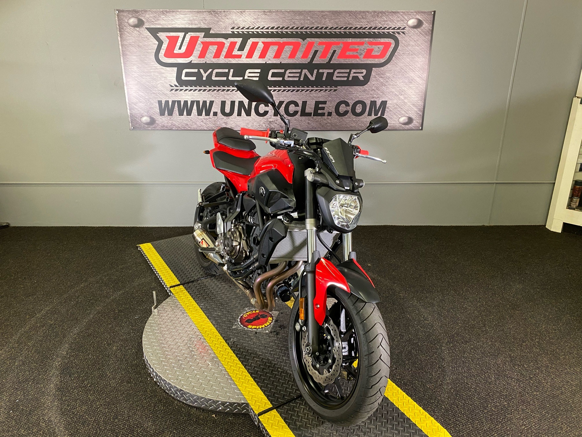 2017 Yamaha FZ-07 in Tyrone, Pennsylvania - Photo 1