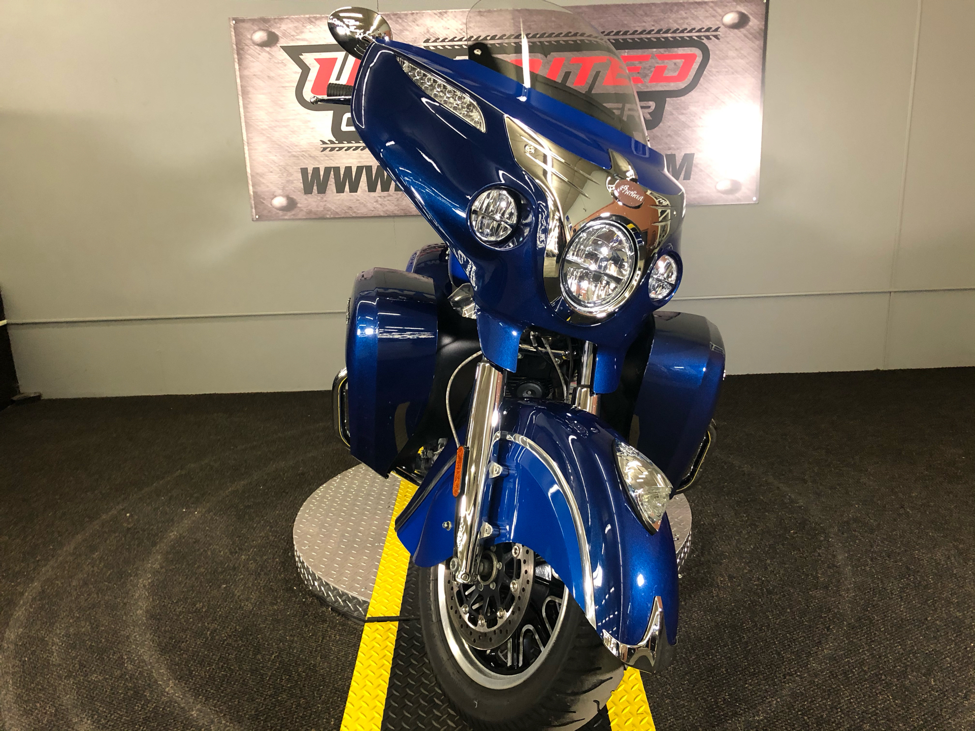 2018 Indian Roadmaster® Icon Series in Tyrone, Pennsylvania - Photo 8