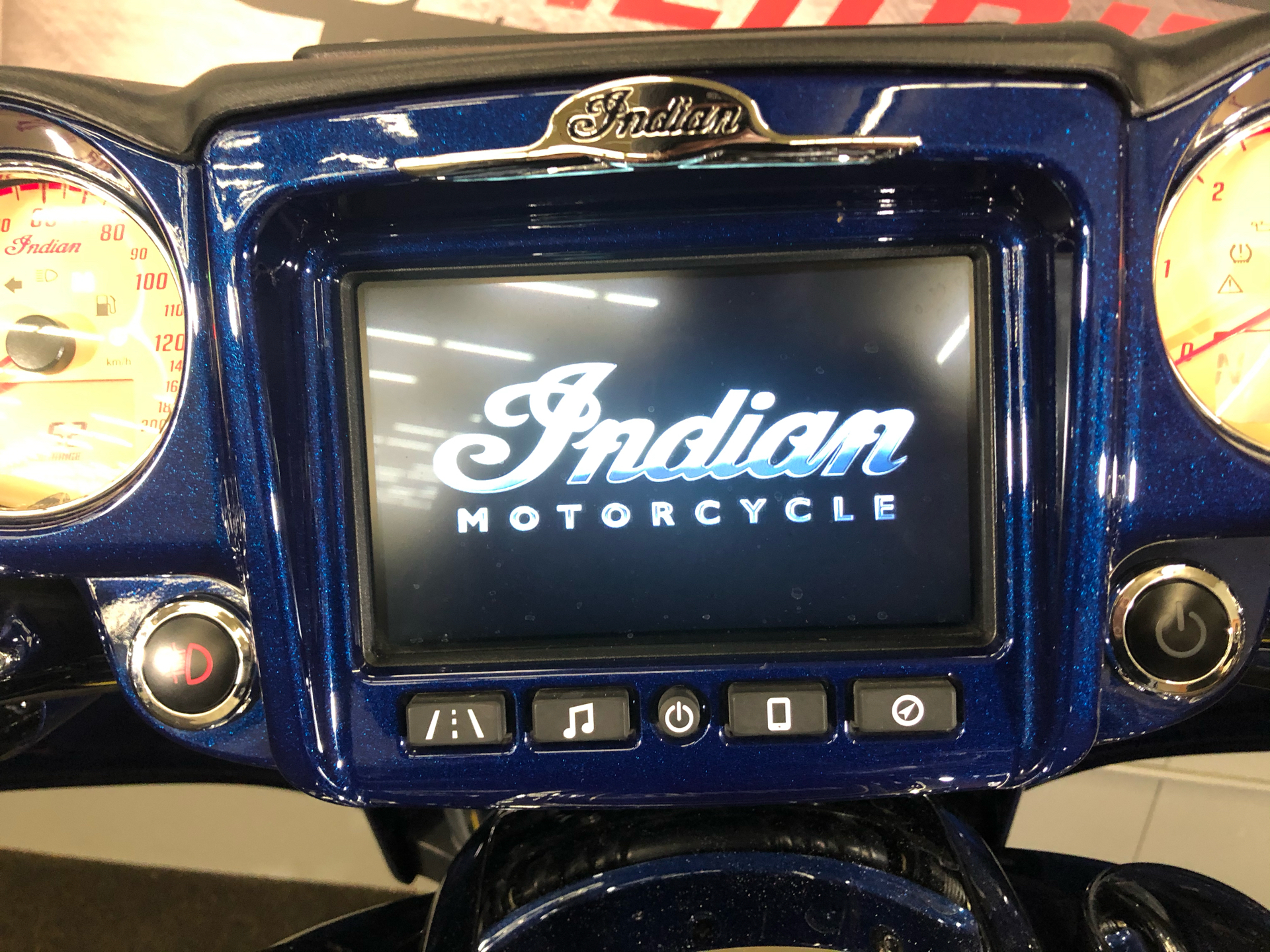 2018 Indian Roadmaster® Icon Series in Tyrone, Pennsylvania - Photo 13