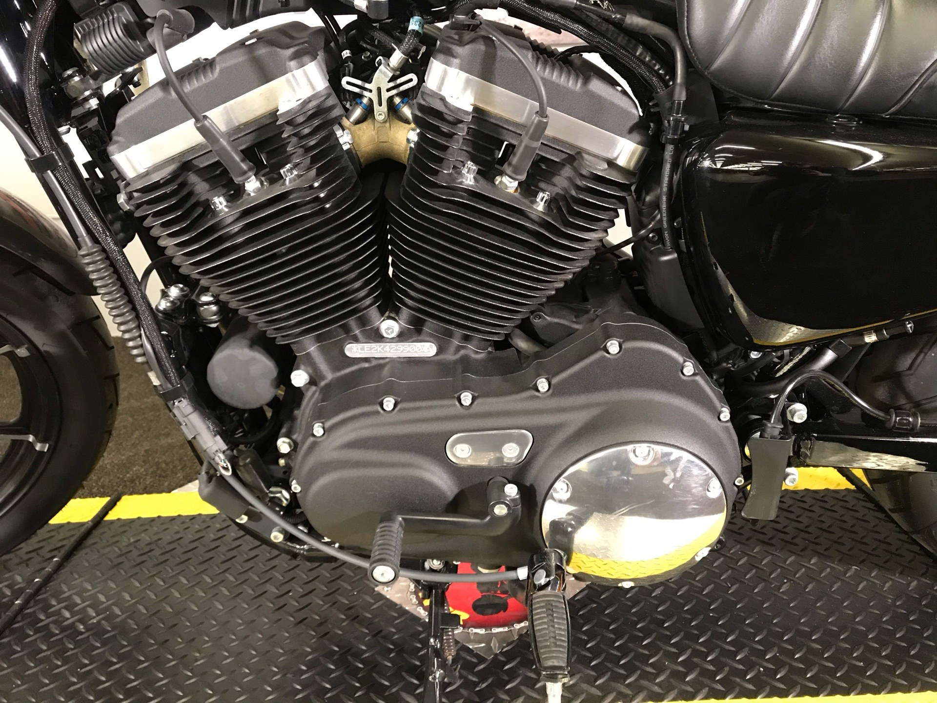 2019 Harley-Davidson Iron 883™ in Tyrone, Pennsylvania - Photo 8