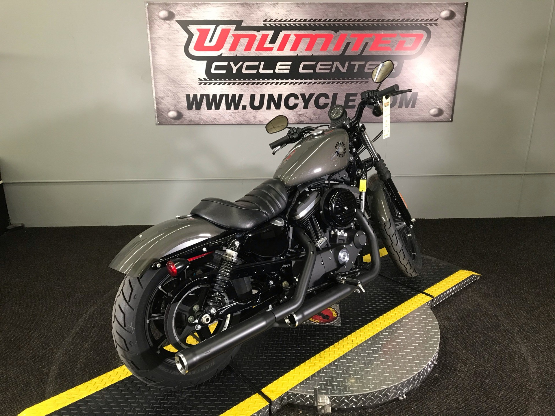 2019 Harley-Davidson Iron 883™ in Tyrone, Pennsylvania - Photo 12