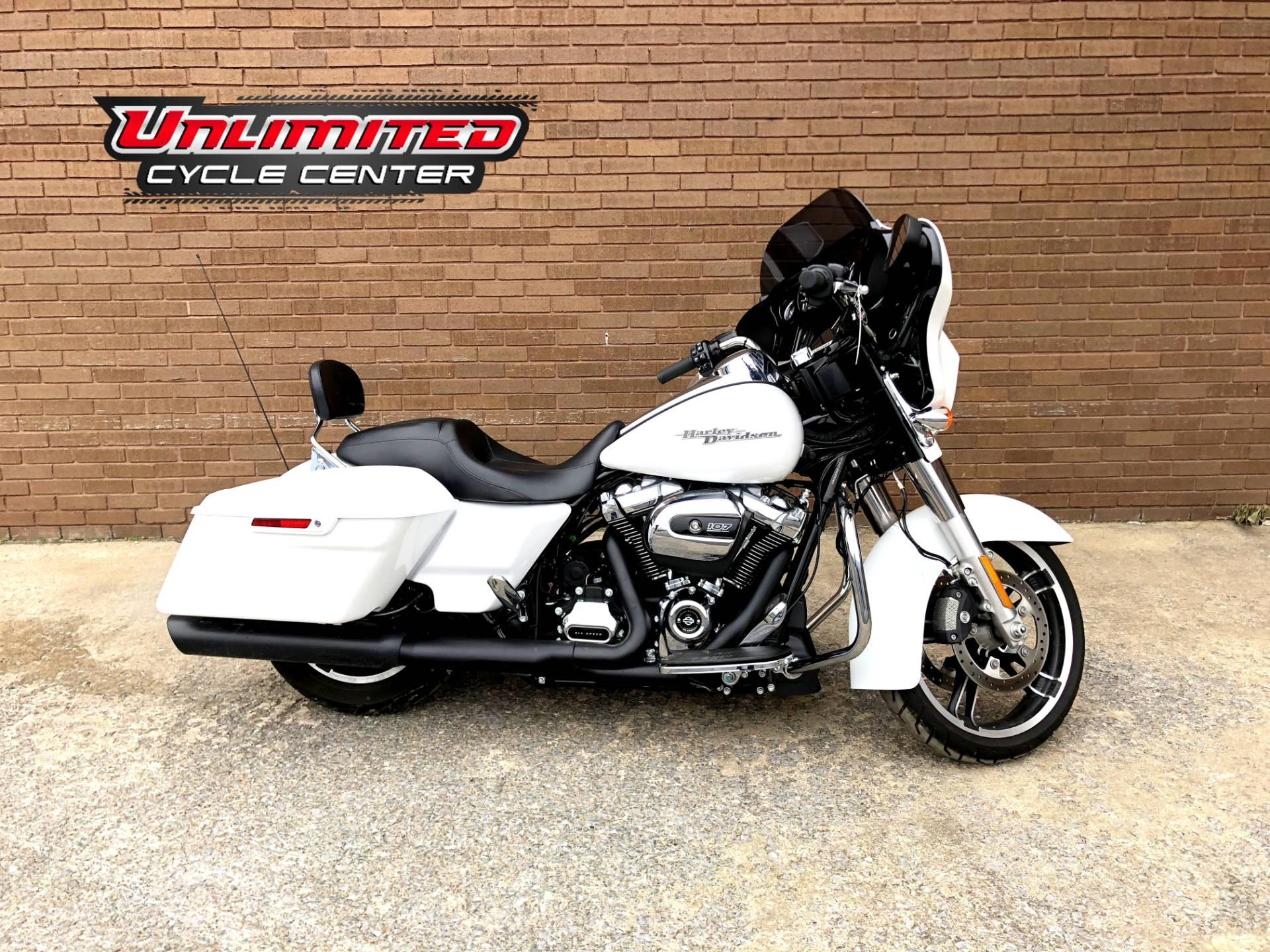 2017 Harley-Davidson Street Glide® Special in Tyrone, Pennsylvania - Photo 1