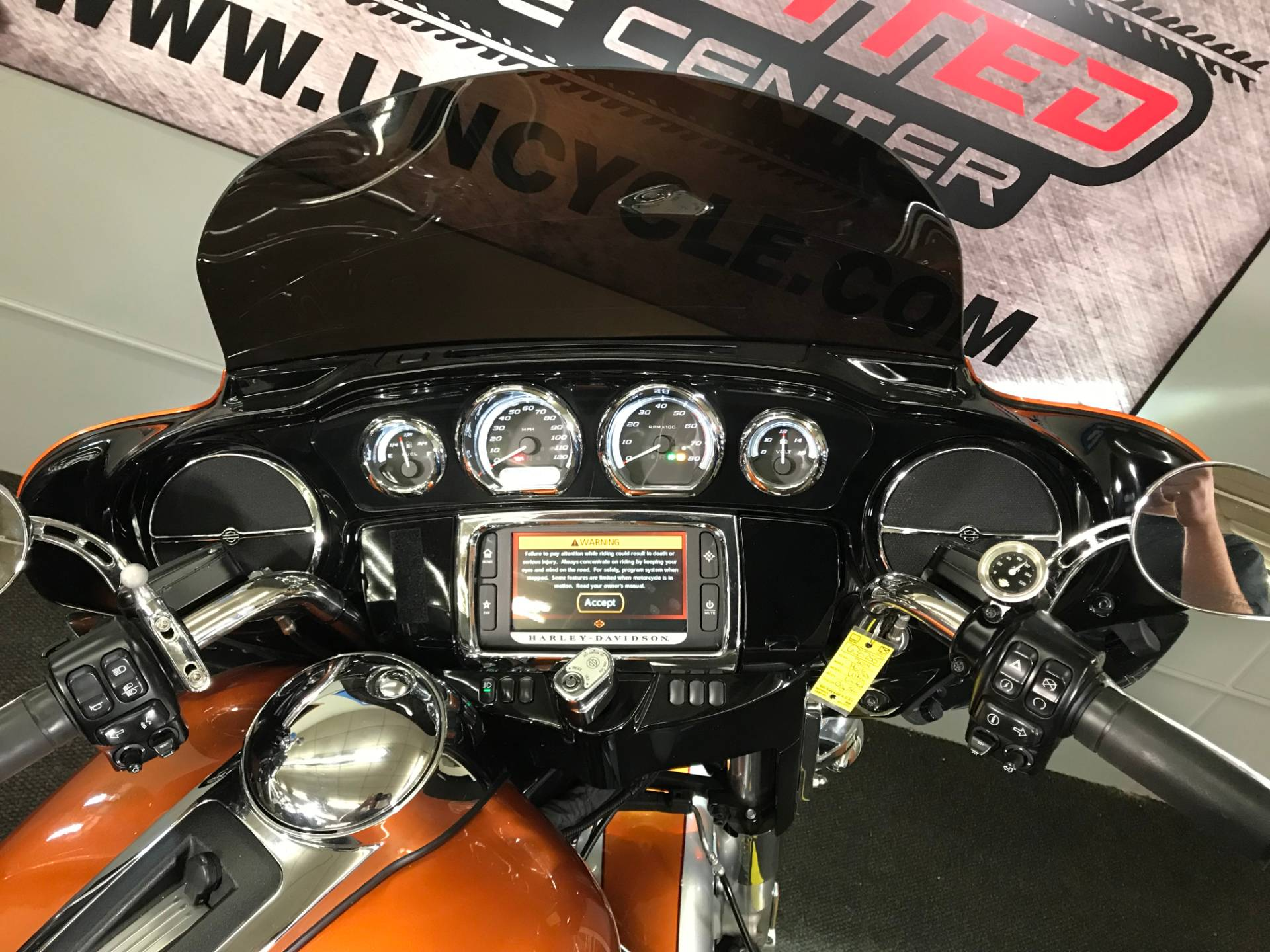 2014 Harley-Davidson Ultra Limited in Tyrone, Pennsylvania - Photo 15