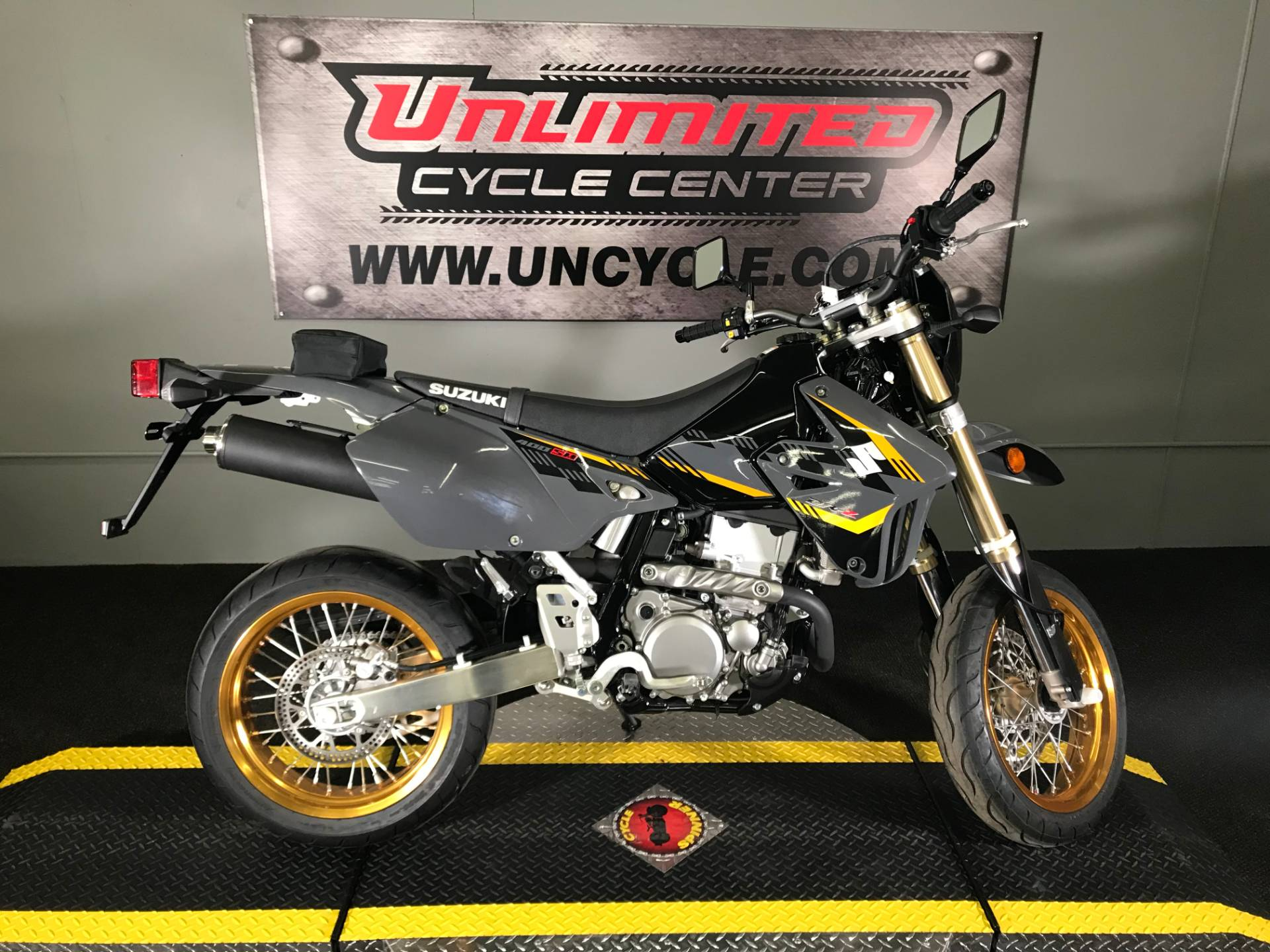 2016 Suzuki DR-Z400SM in Tyrone, Pennsylvania - Photo 2