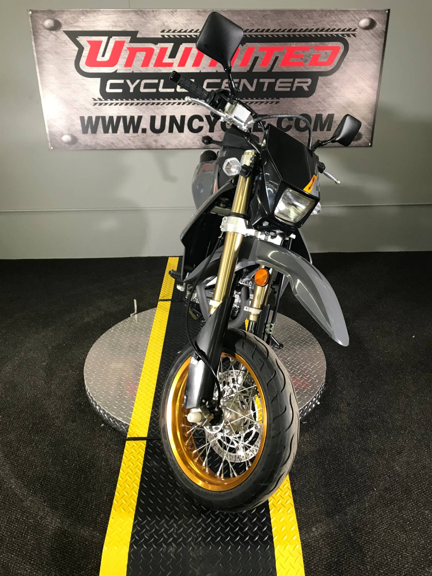 2016 Suzuki DR-Z400SM in Tyrone, Pennsylvania - Photo 4