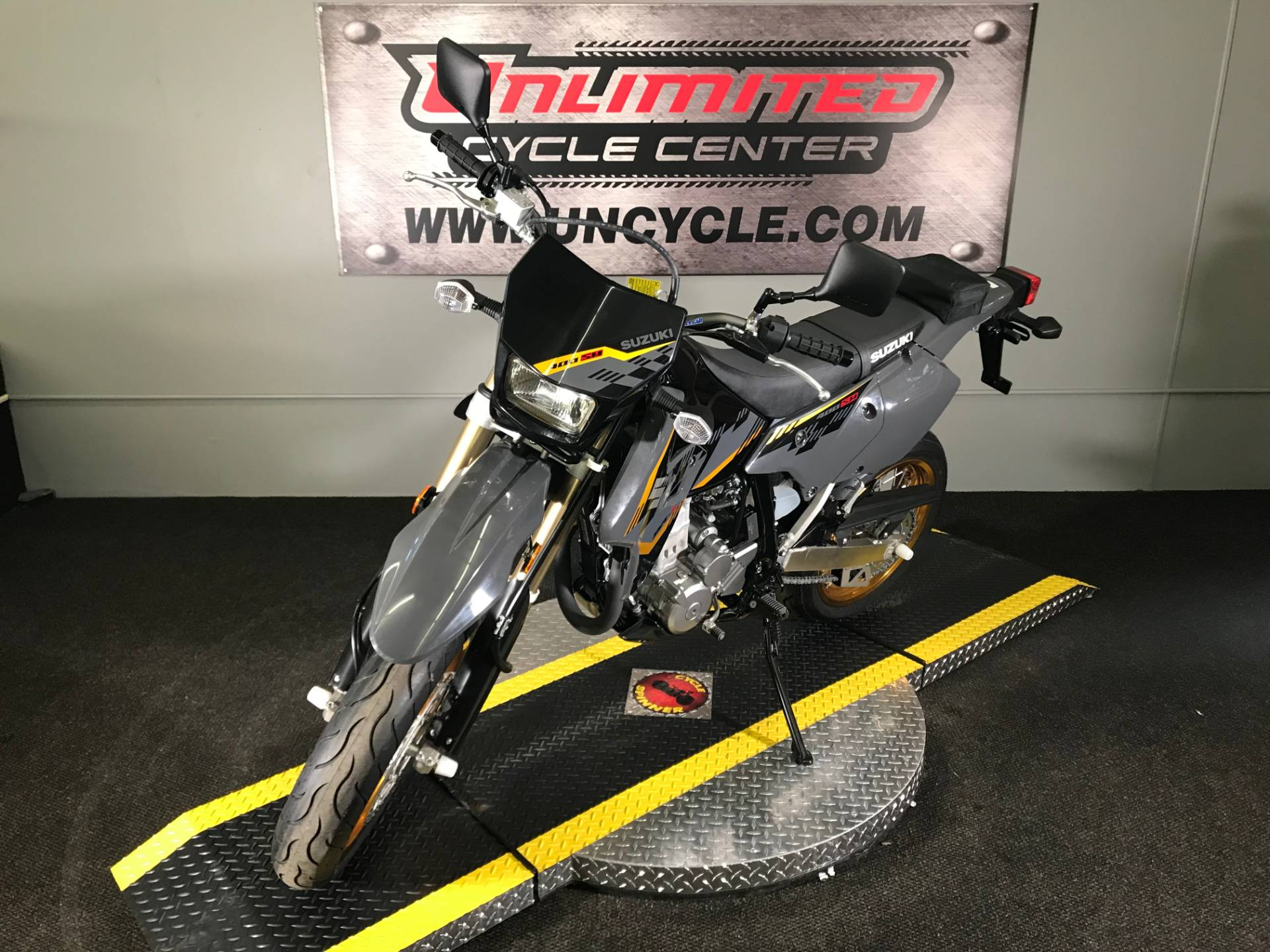 2016 Suzuki DR-Z400SM in Tyrone, Pennsylvania - Photo 5