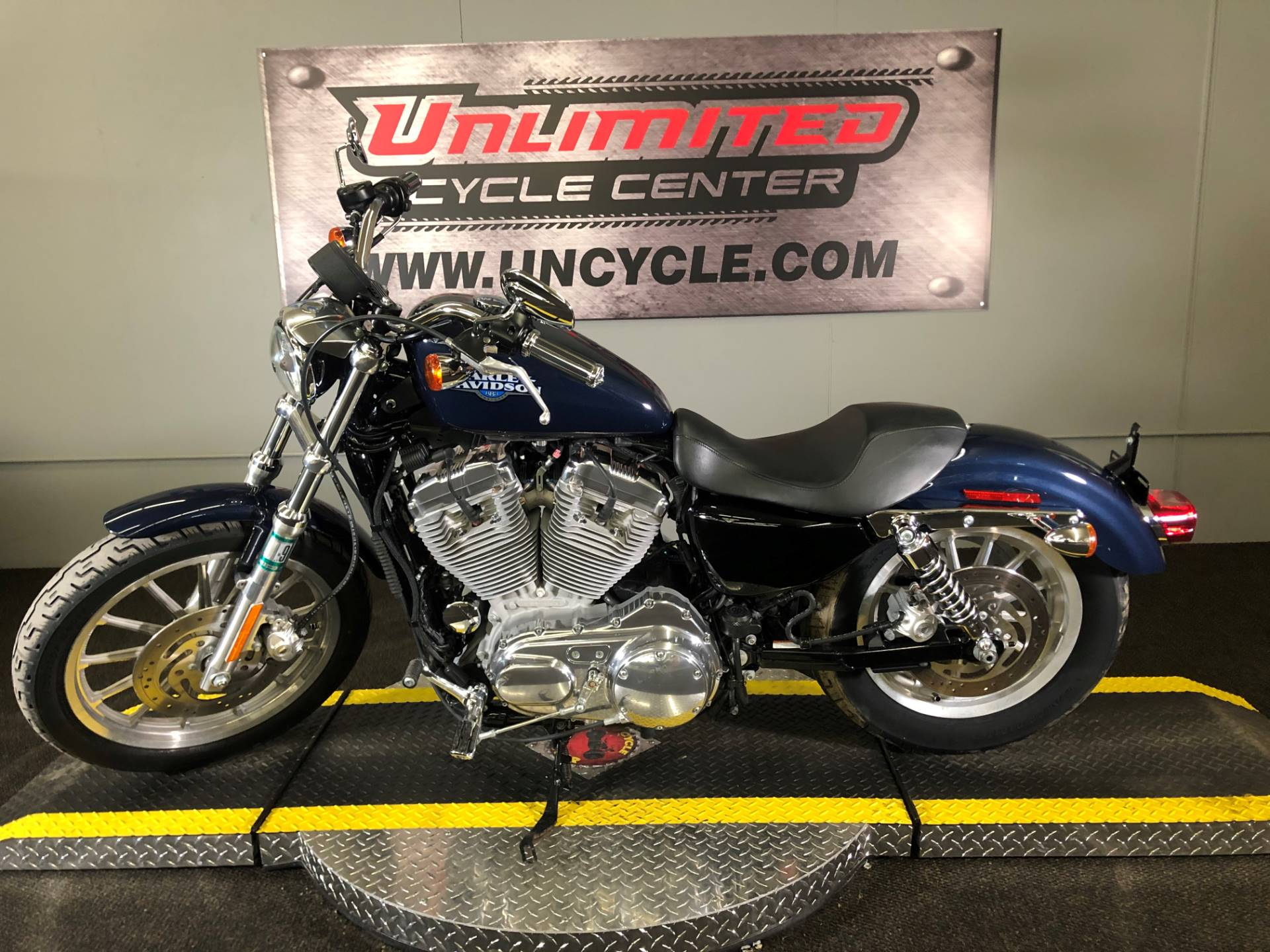 2008 Harley-Davidson Sportster® 883 Low in Tyrone, Pennsylvania - Photo 2
