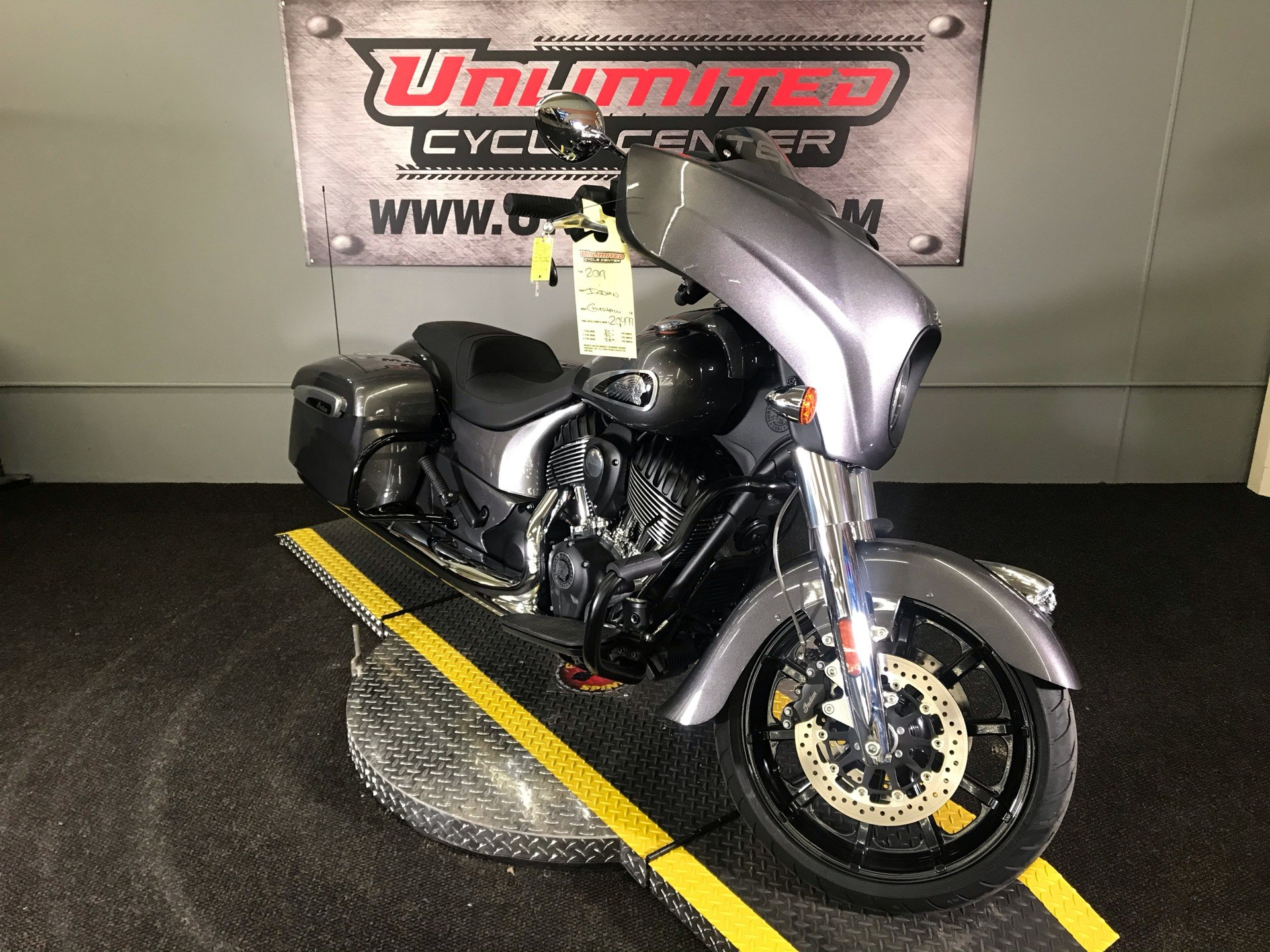 2019 Indian Chieftain® ABS in Tyrone, Pennsylvania - Photo 1