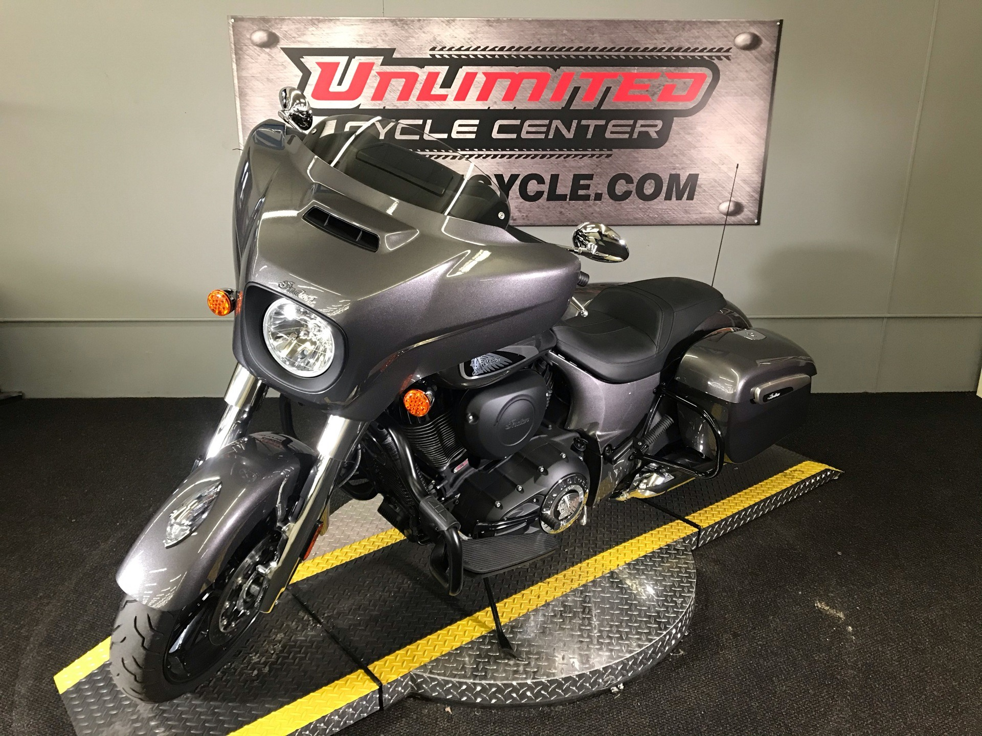 2019 Indian Chieftain® ABS in Tyrone, Pennsylvania - Photo 5