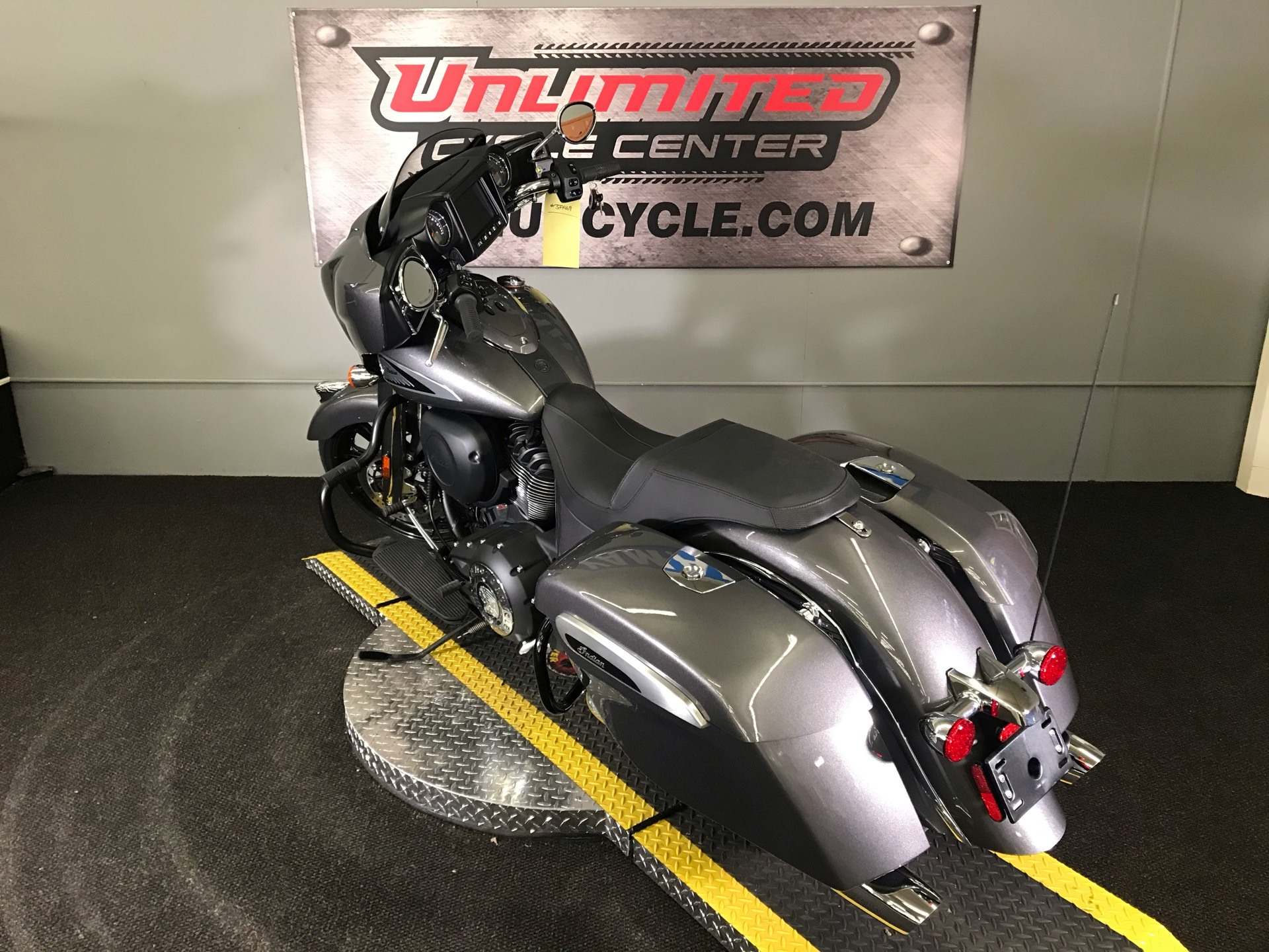 2019 Indian Chieftain® ABS in Tyrone, Pennsylvania - Photo 8