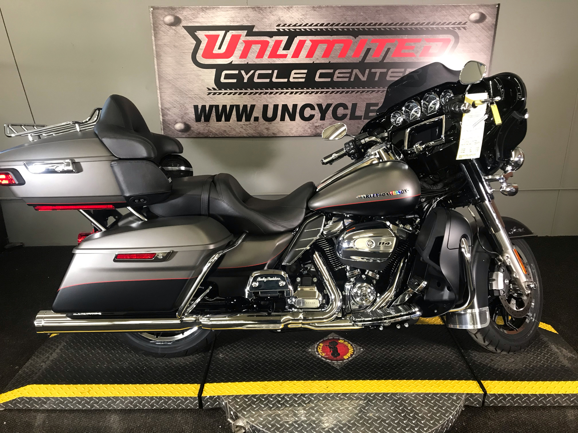 2019 Harley-Davidson Ultra Limited in Tyrone, Pennsylvania - Photo 2