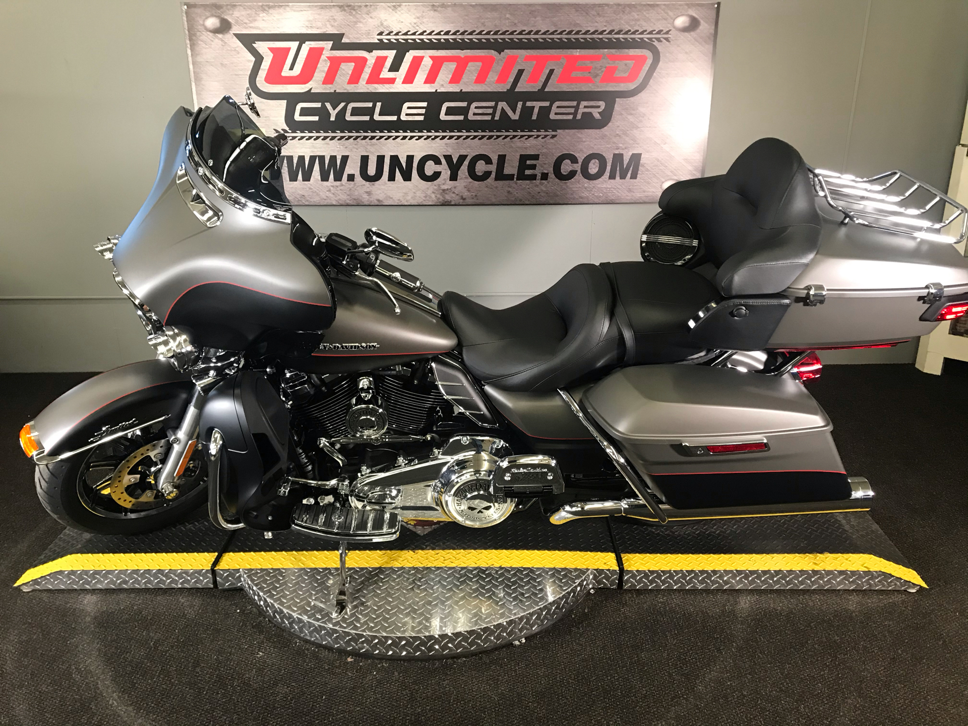 2019 Harley-Davidson Ultra Limited in Tyrone, Pennsylvania - Photo 6