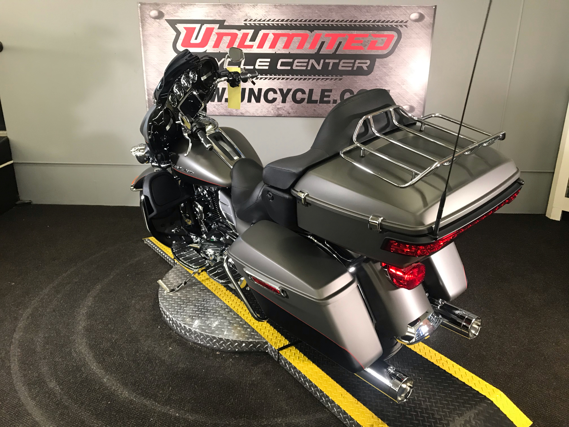 2019 Harley-Davidson Ultra Limited in Tyrone, Pennsylvania - Photo 10