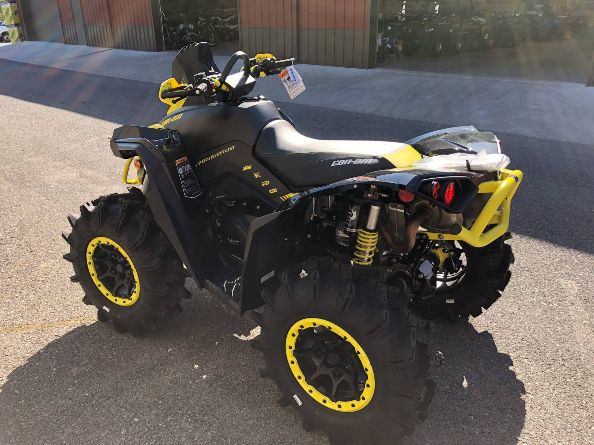 2018 Can-Am Renegade X MR 1000R in Tyrone, Pennsylvania