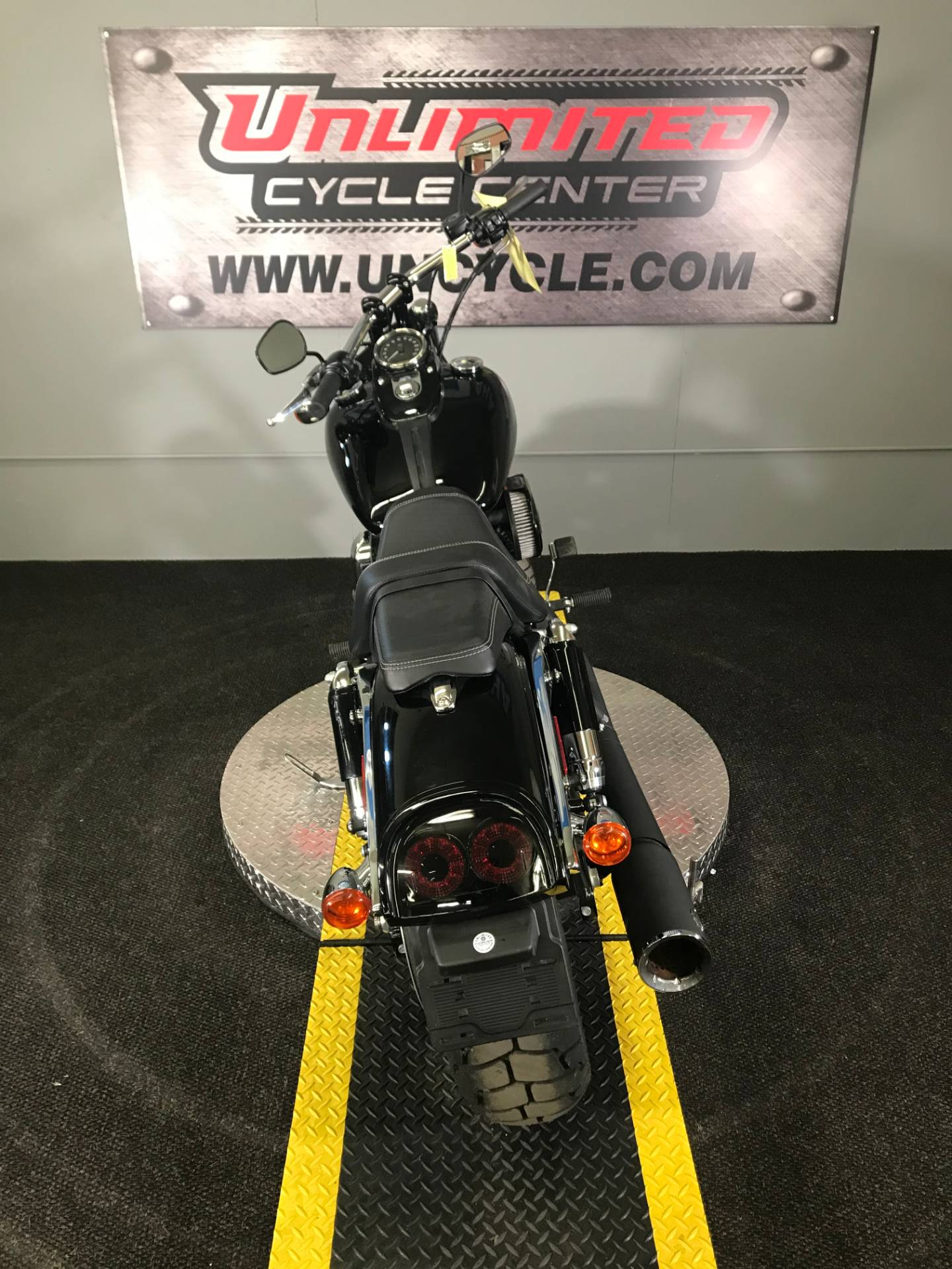 2016 Harley-Davidson Fat Bob® in Tyrone, Pennsylvania - Photo 10