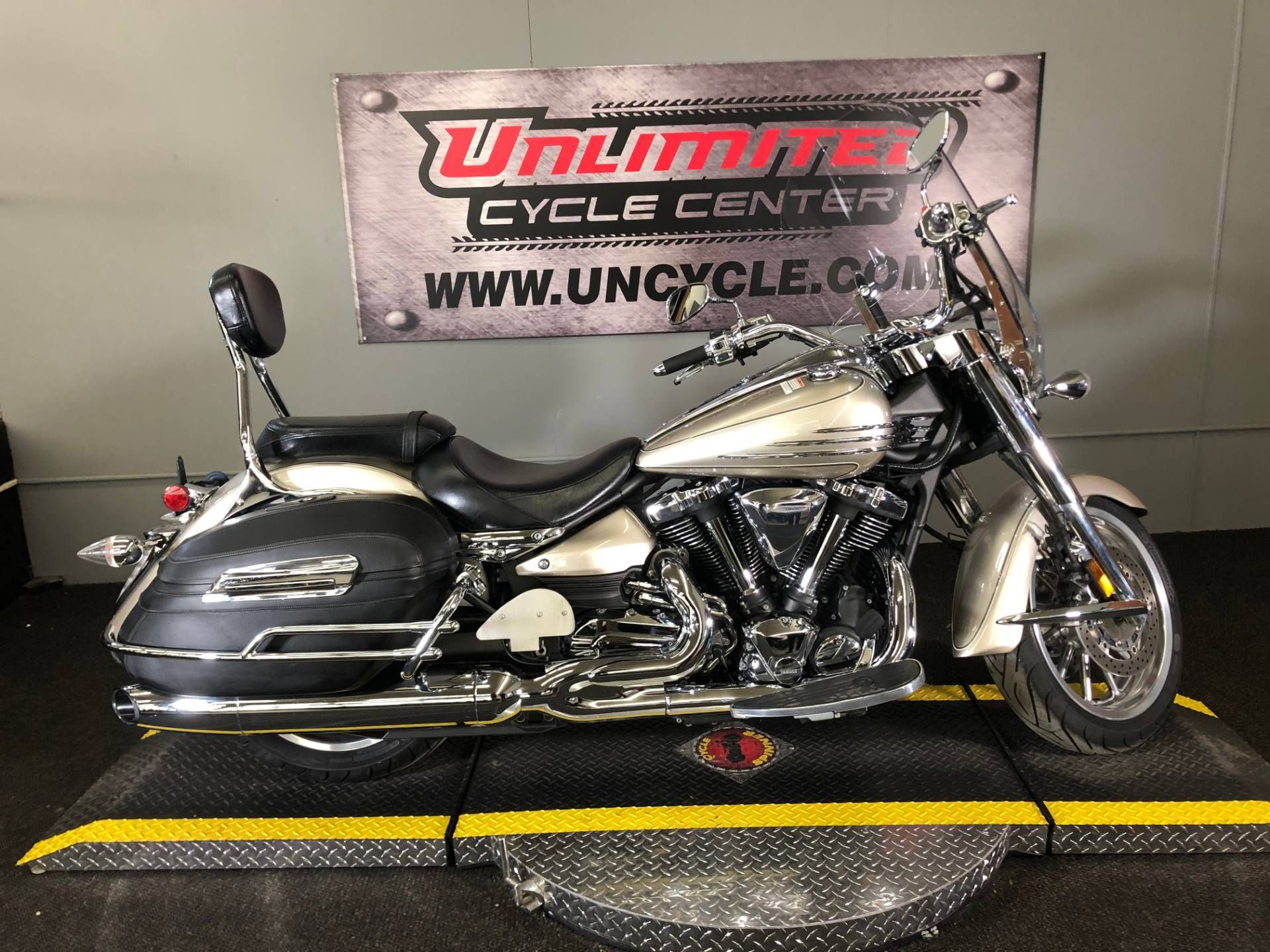 2008 Yamaha Stratoliner S in Tyrone, Pennsylvania - Photo 1