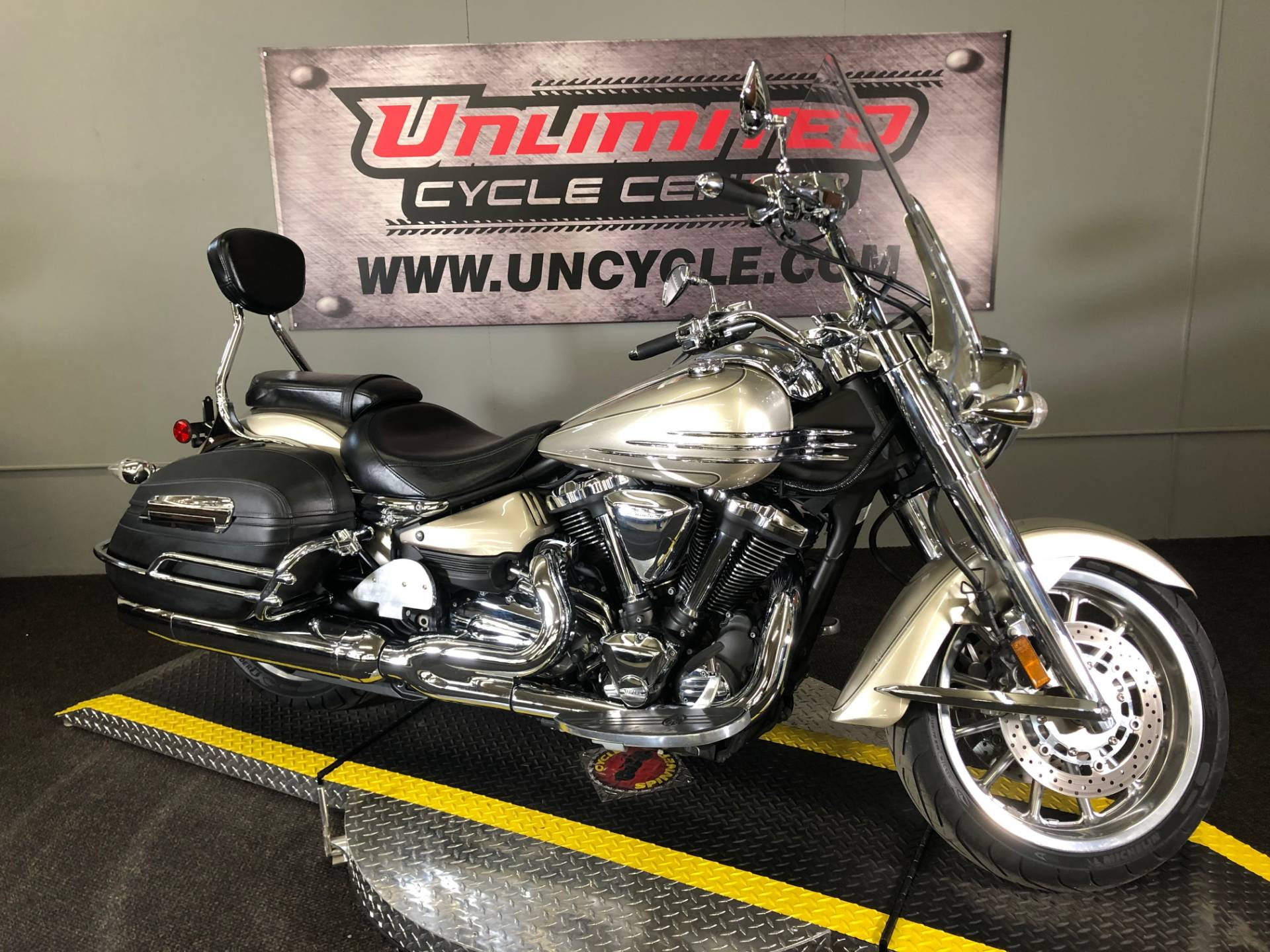 2008 Yamaha Stratoliner S in Tyrone, Pennsylvania - Photo 2