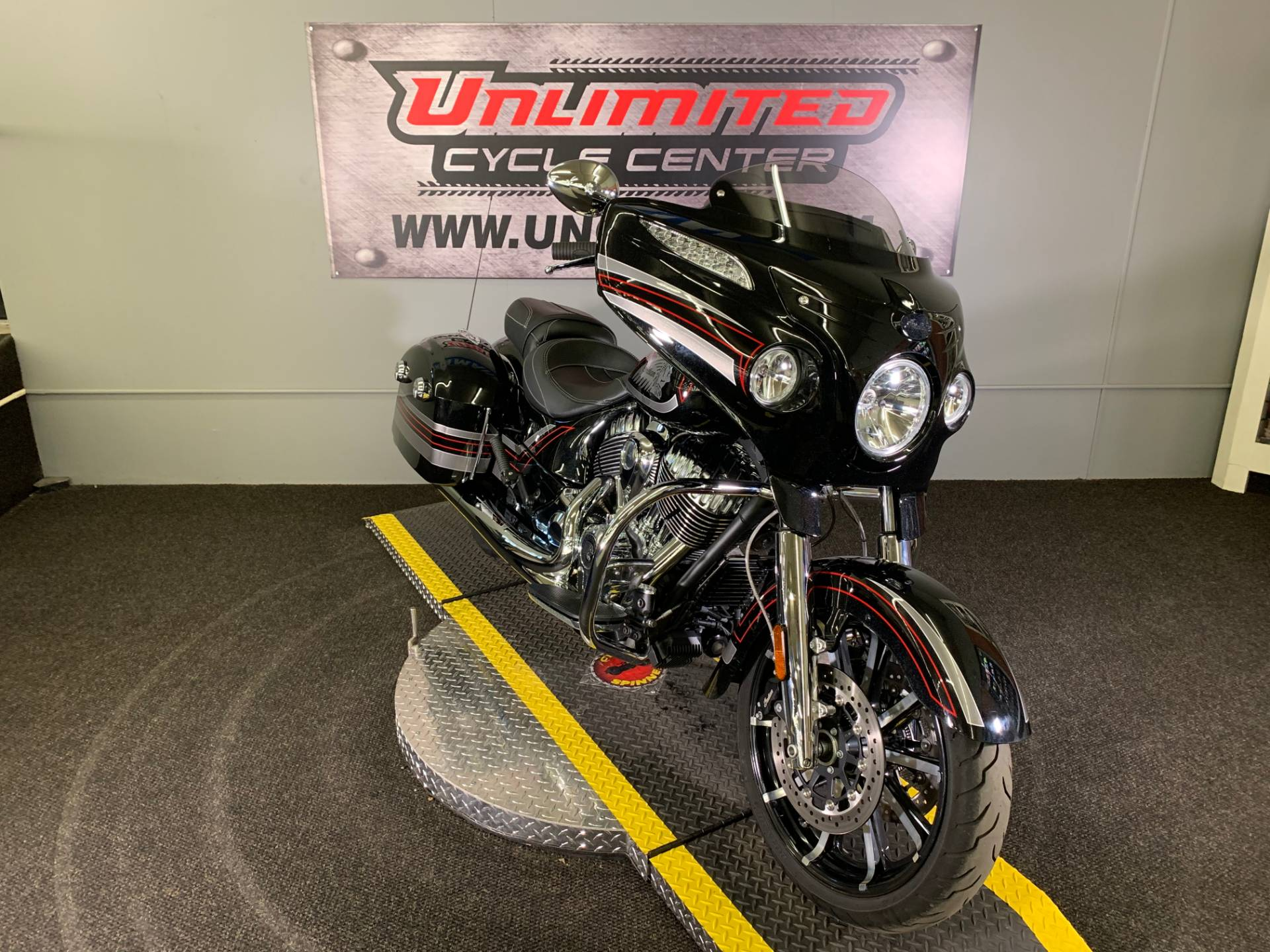 2018 Indian Chieftain® Limited ABS in Tyrone, Pennsylvania - Photo 1