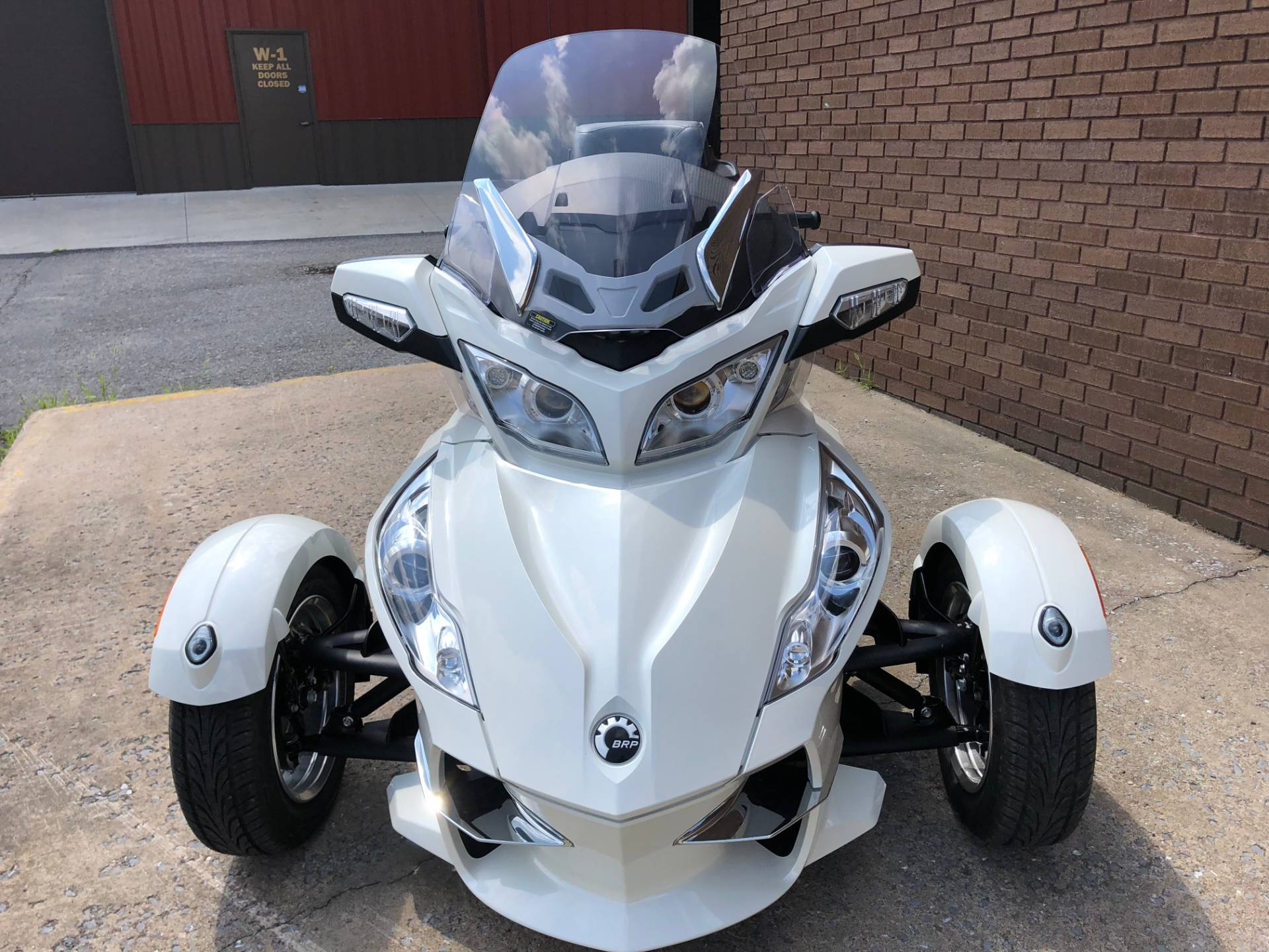 2011 Can-Am Spyder® RT Limited in Tyrone, Pennsylvania - Photo 2