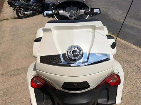 2011 Can-Am Spyder® RT Limited in Tyrone, Pennsylvania - Photo 9