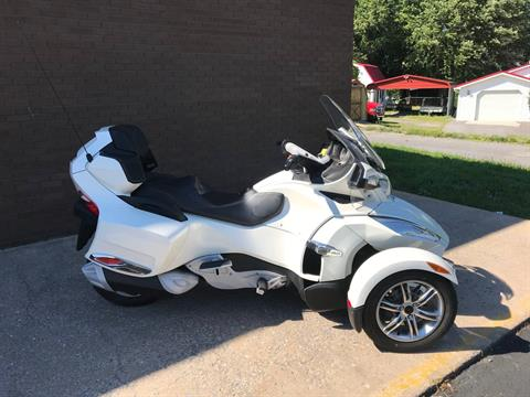 2011 Can-Am Spyder® RT Limited in Tyrone, Pennsylvania