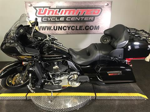2011 Harley-Davidson Road Glide® Ultra in Tyrone, Pennsylvania - Photo 8