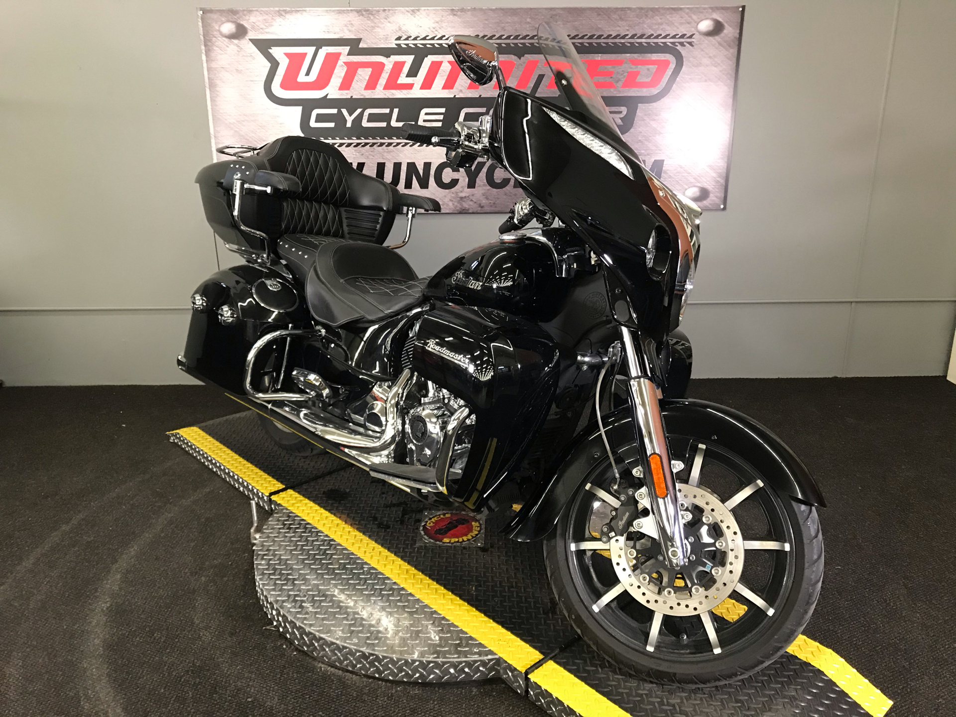 2018 Indian Roadmaster® ABS in Tyrone, Pennsylvania - Photo 1