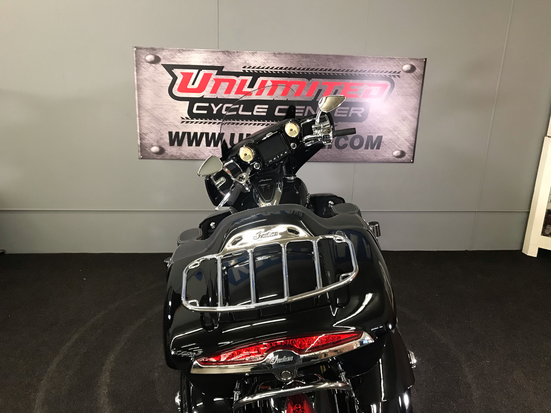 2018 Indian Roadmaster® ABS in Tyrone, Pennsylvania - Photo 12