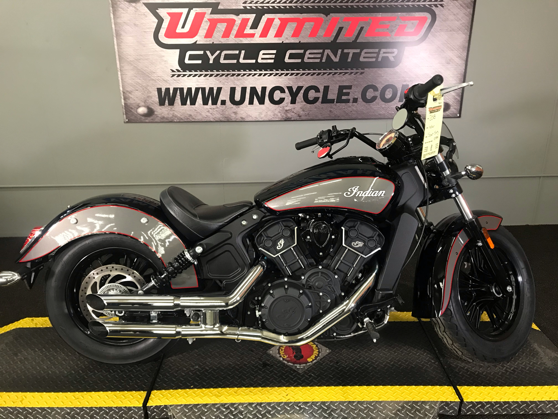2018 Indian Scout® Sixty ABS in Tyrone, Pennsylvania - Photo 2