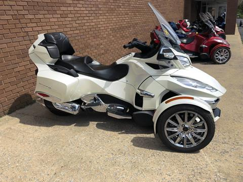 2014 Can-Am Spyder® RT Limited in Tyrone, Pennsylvania - Photo 1