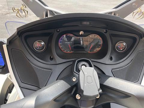 2014 Can-Am Spyder® RT Limited in Tyrone, Pennsylvania - Photo 12