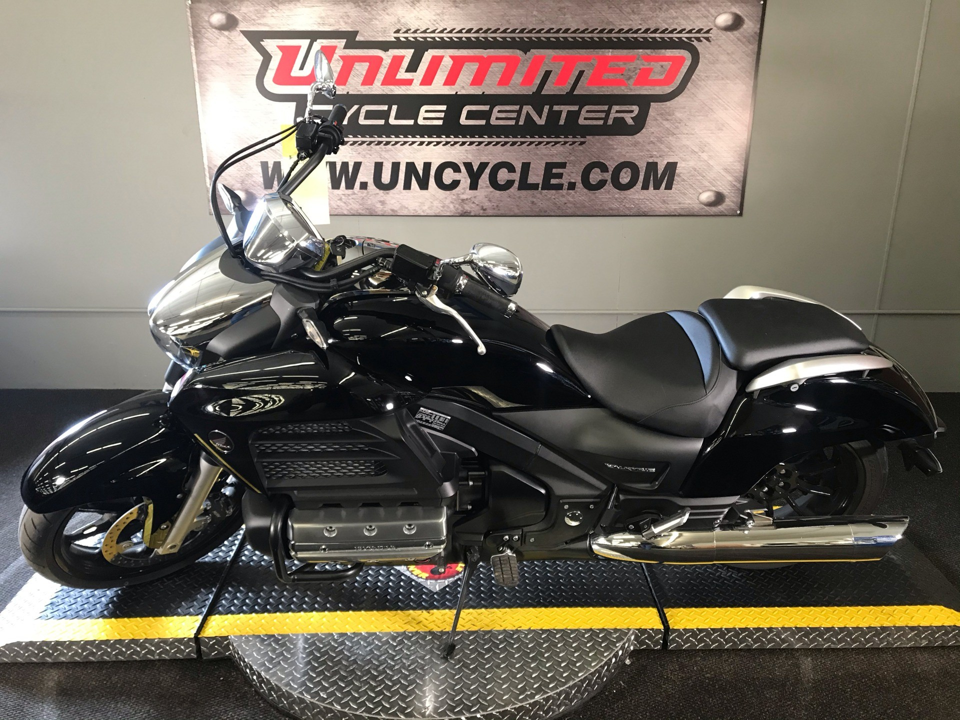 2014 Honda Gold Wing® Valkyrie® in Tyrone, Pennsylvania - Photo 6
