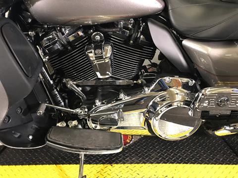 2017 Harley-Davidson Electra Glide® Ultra Classic® in Tyrone, Pennsylvania - Photo 8