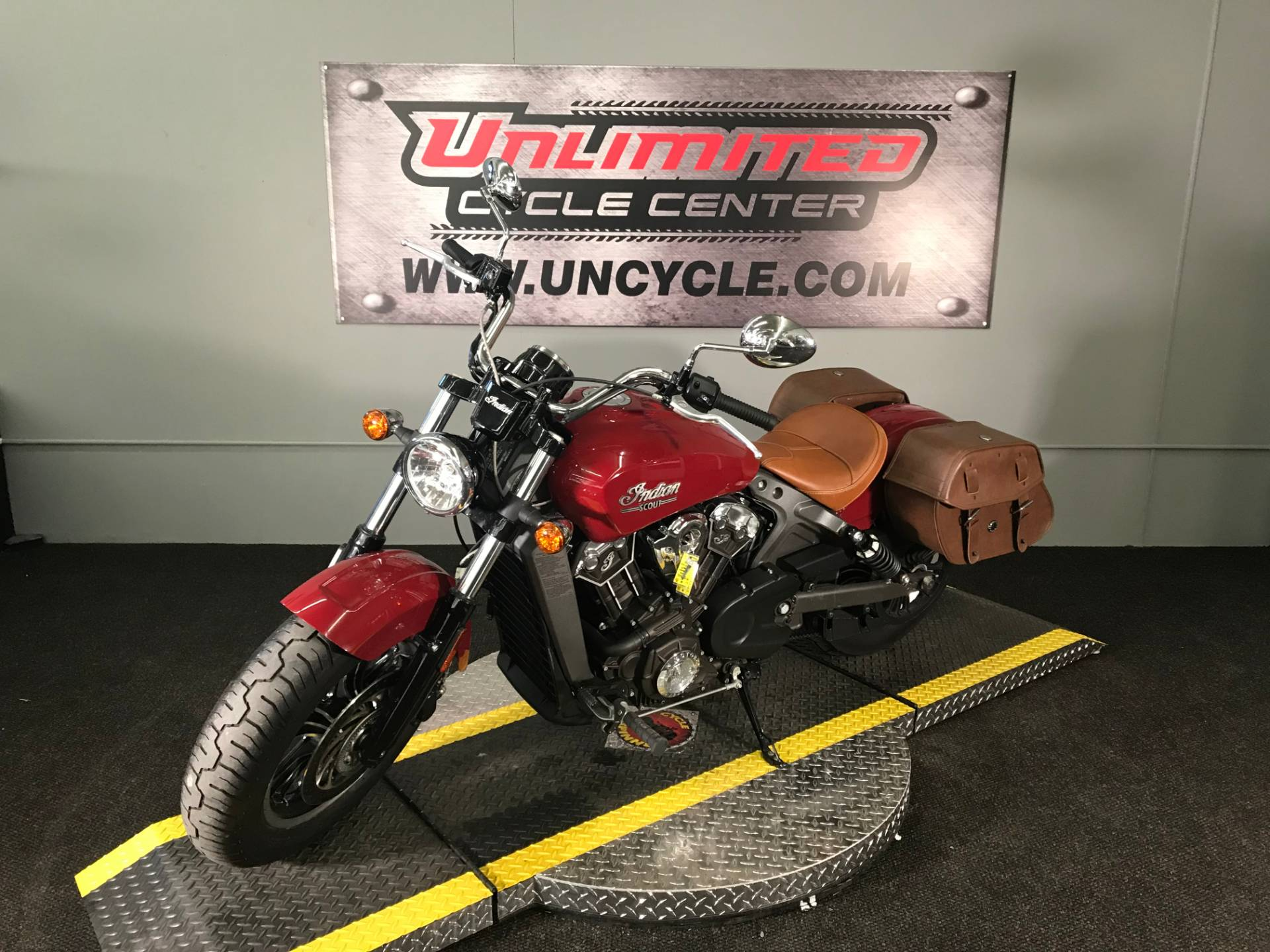 2016 Indian Scout™ ABS in Tyrone, Pennsylvania - Photo 5
